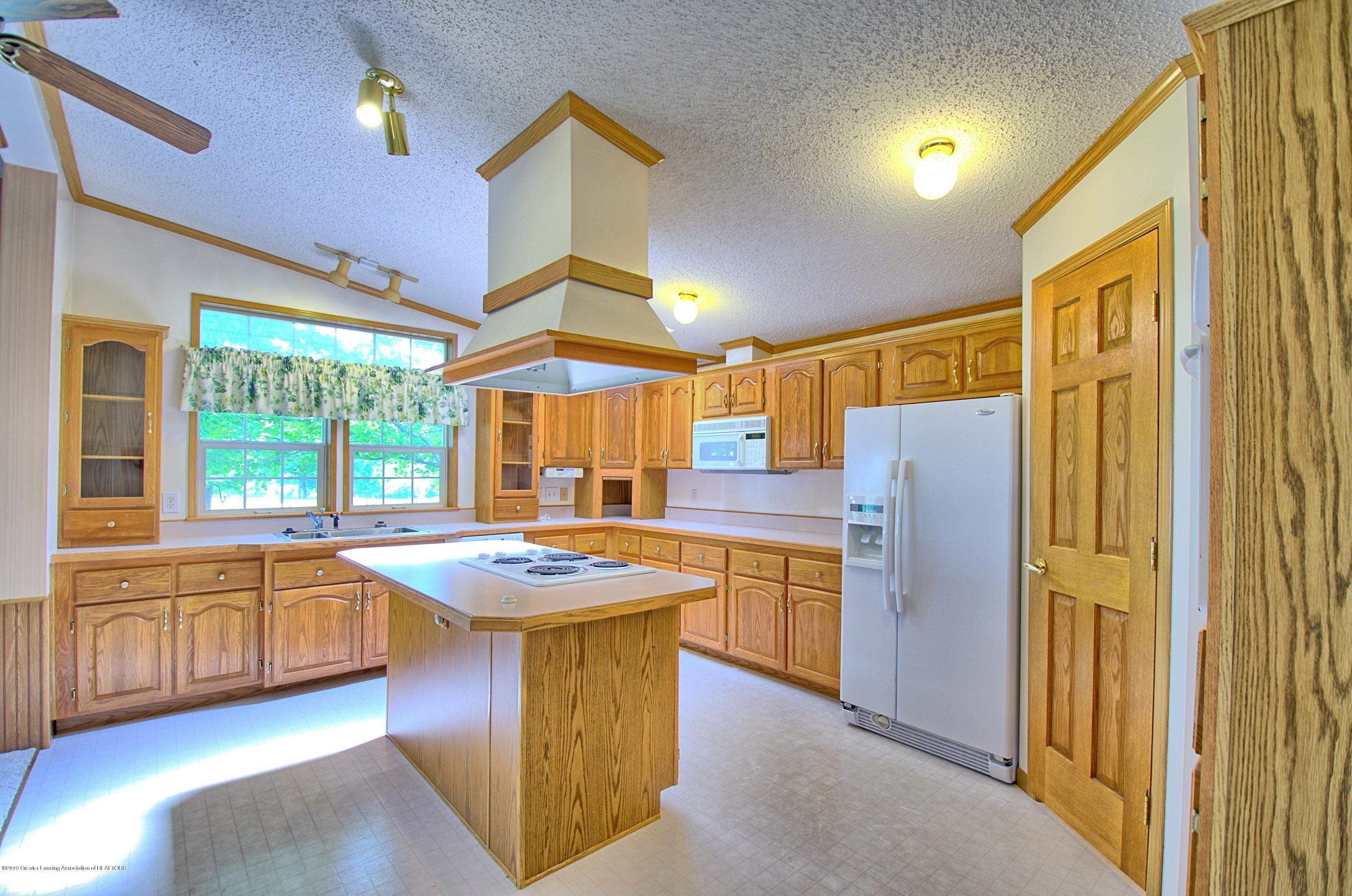 4860 Old Plank Rd - Kitchen - 3