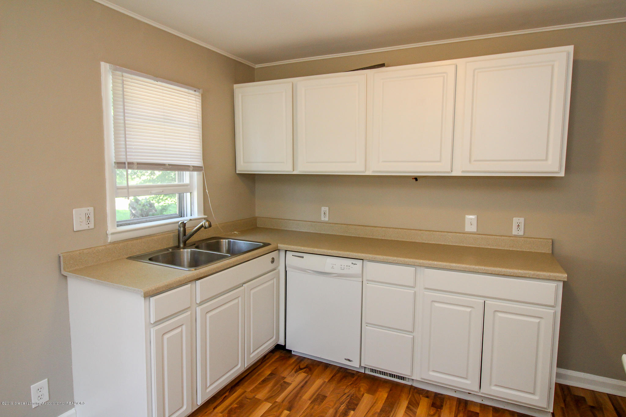 124 Northlawn Ave - 13 Kitchen 1 - 12