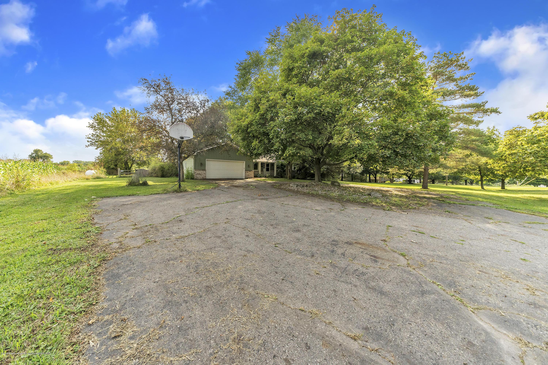 1635 W Howell Rd - 1635-West-Howell-Road-Mason-Michigan-win - 4