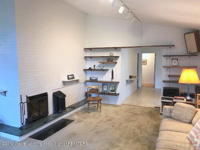 408 Curtis Rd - Living Room - 9