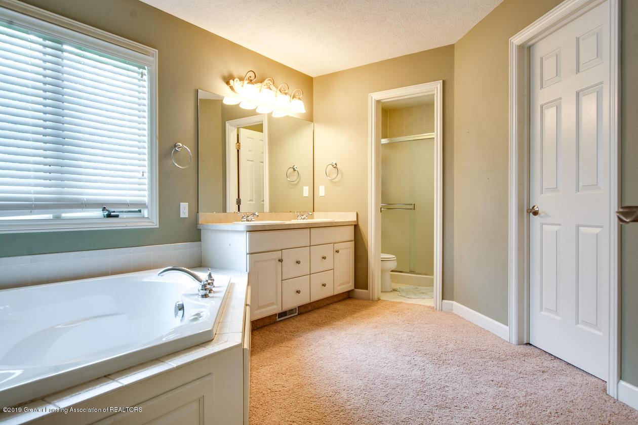 13295 Speckledwood Dr - Master bath w/ walk-in closet - 14