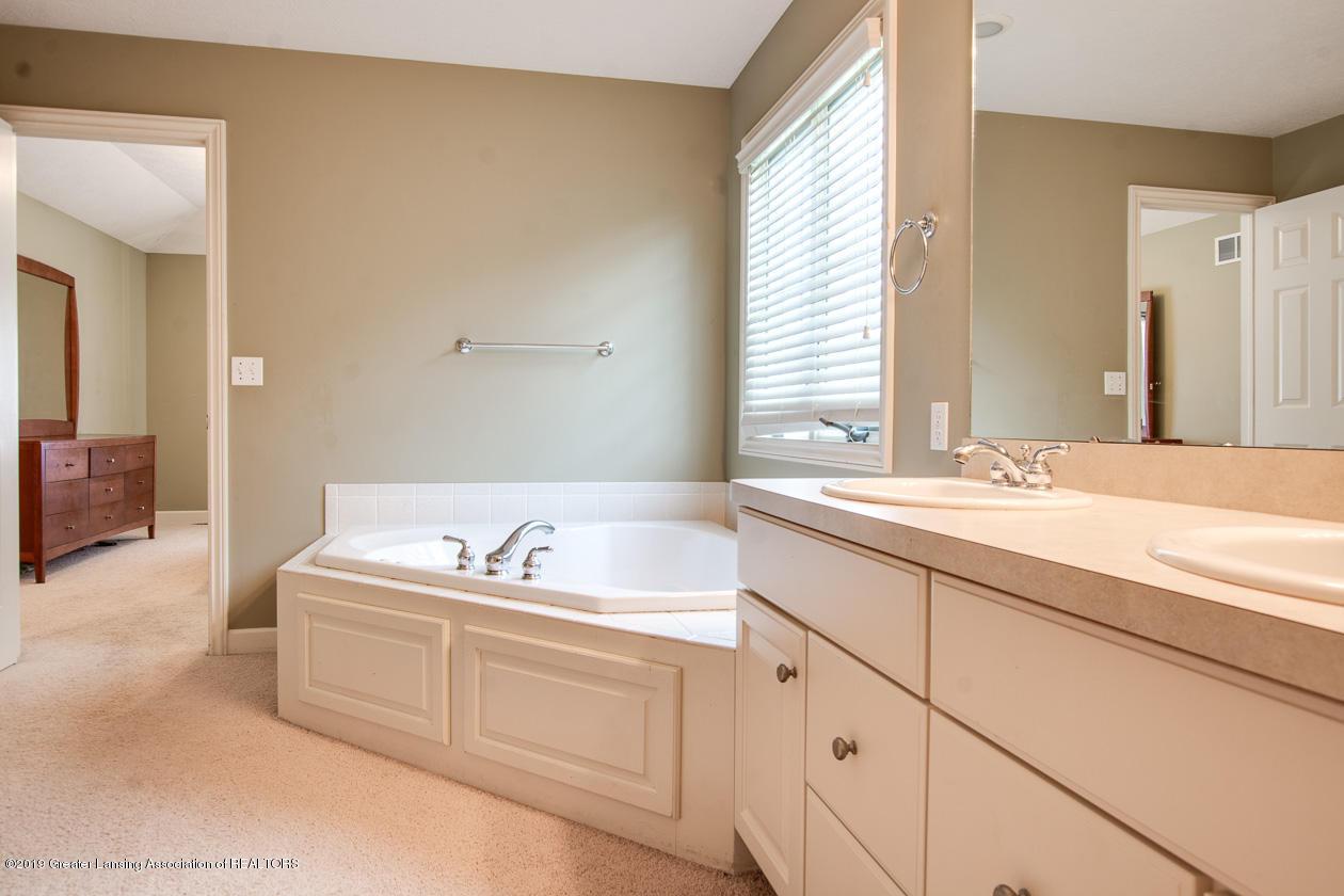 13295 Speckledwood Dr - Master bathroom - 15
