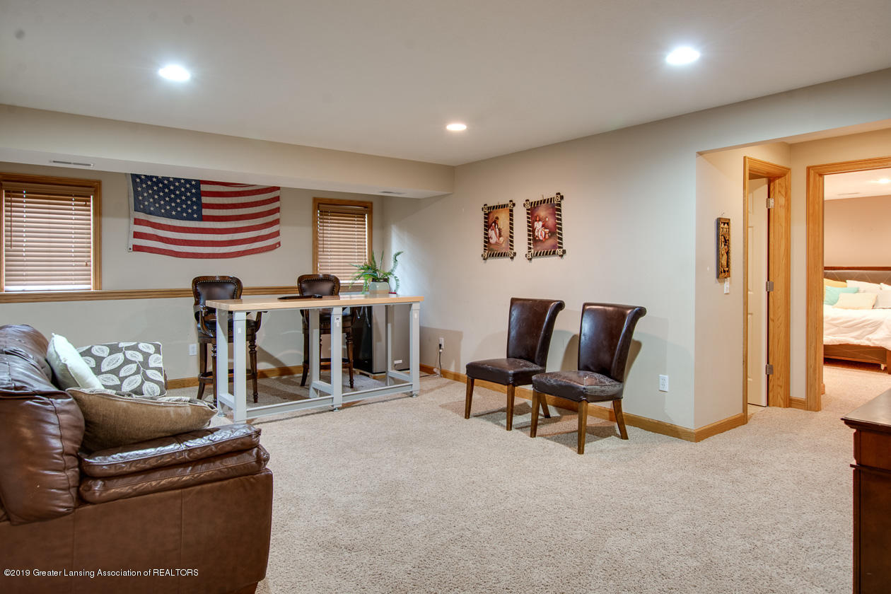 13295 Speckledwood Dr - Lower level family room - 20