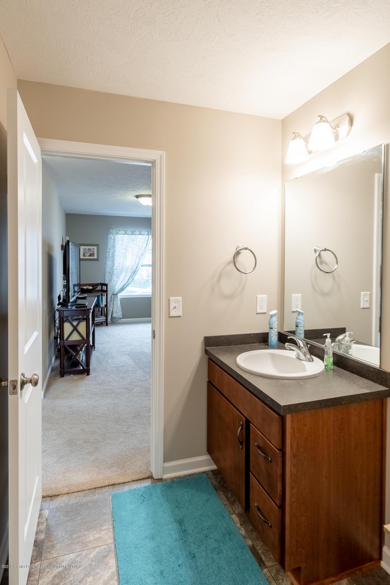 3758 Shearwater Ln - 2nd floor bathroom - 42
