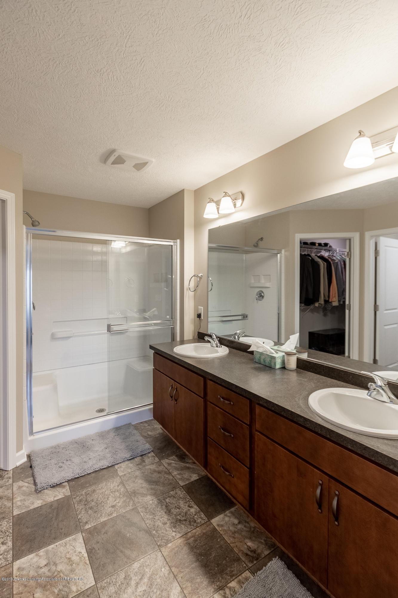 3758 Shearwater Ln - Master Bathroom - 31