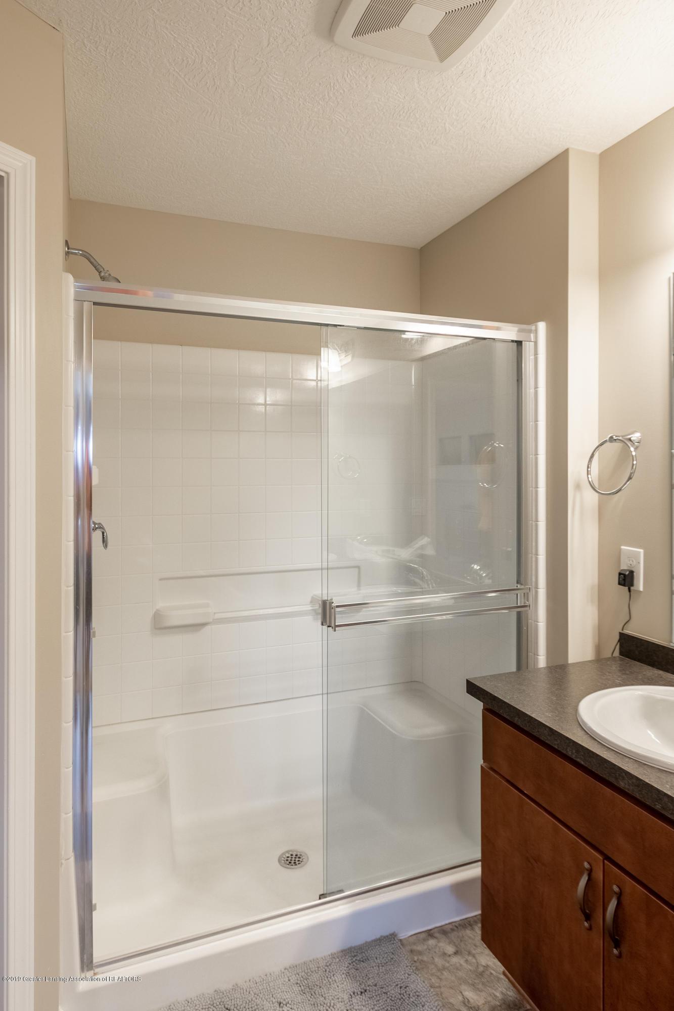 3758 Shearwater Ln - Master Bathroom - 30