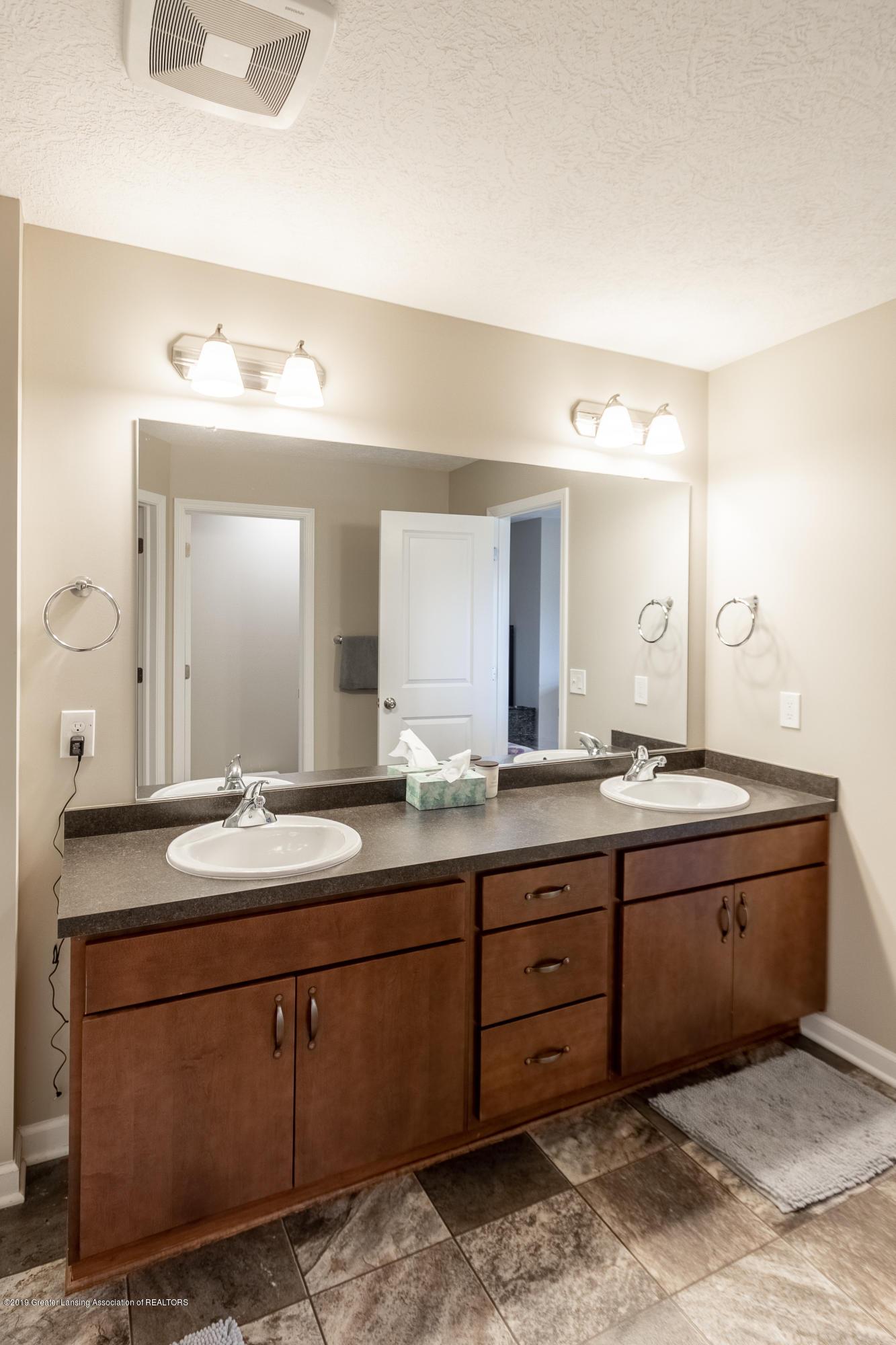 3758 Shearwater Ln - Master Bathroom - 27