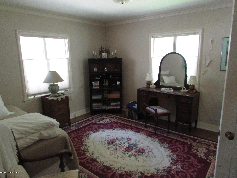 155 Maplewood Dr - Bedroom - 10
