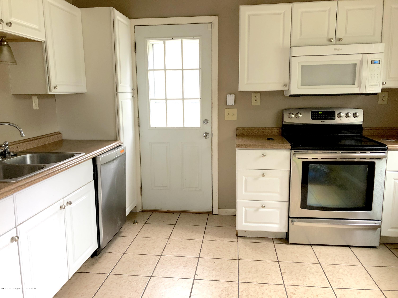 4622 Burchfield Ave - Kitchen - 5