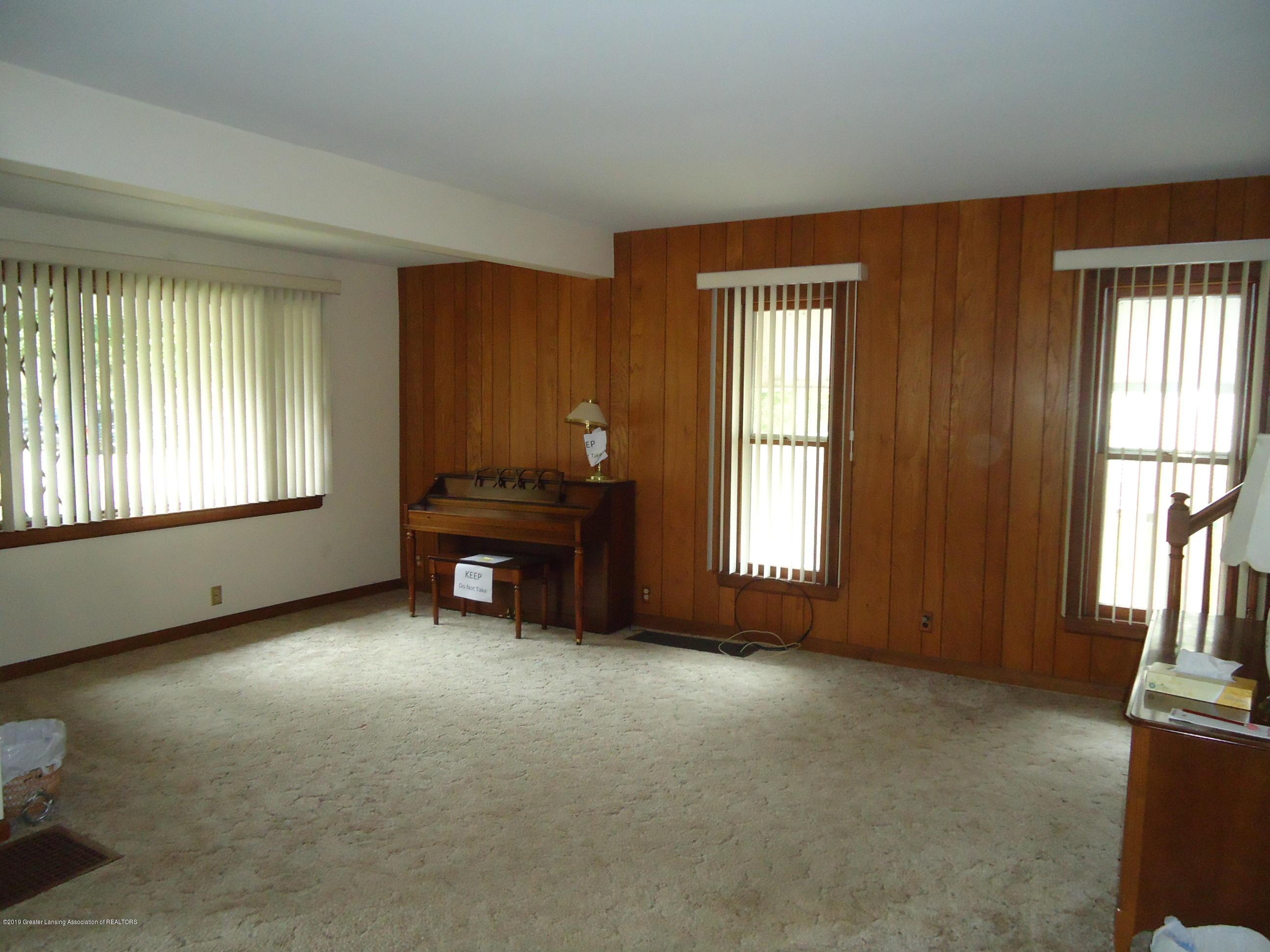 309 E Lovett St - 9 Living Room - 5