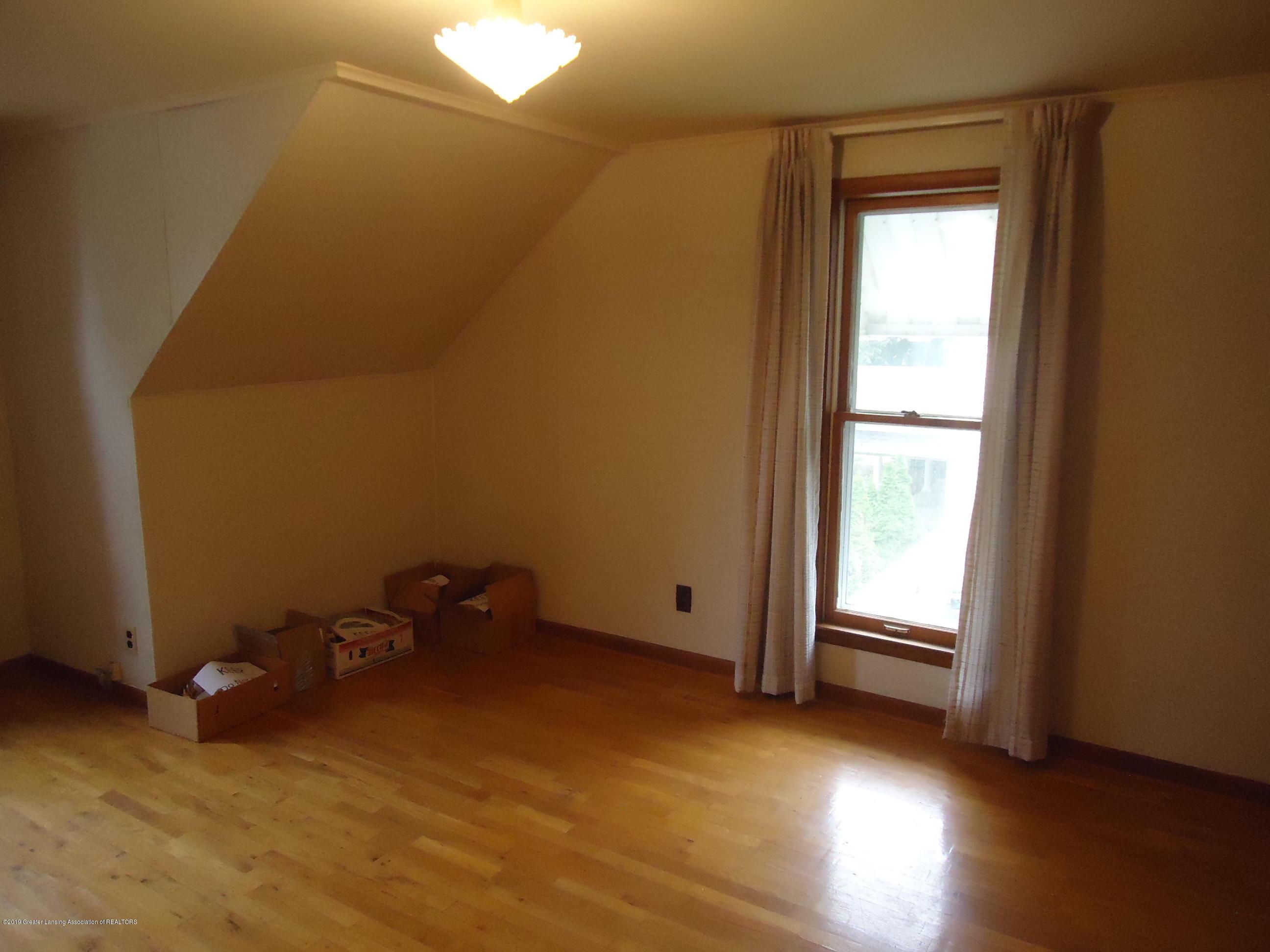 309 E Lovett St - 14 Bedroom 1 (2) - 10