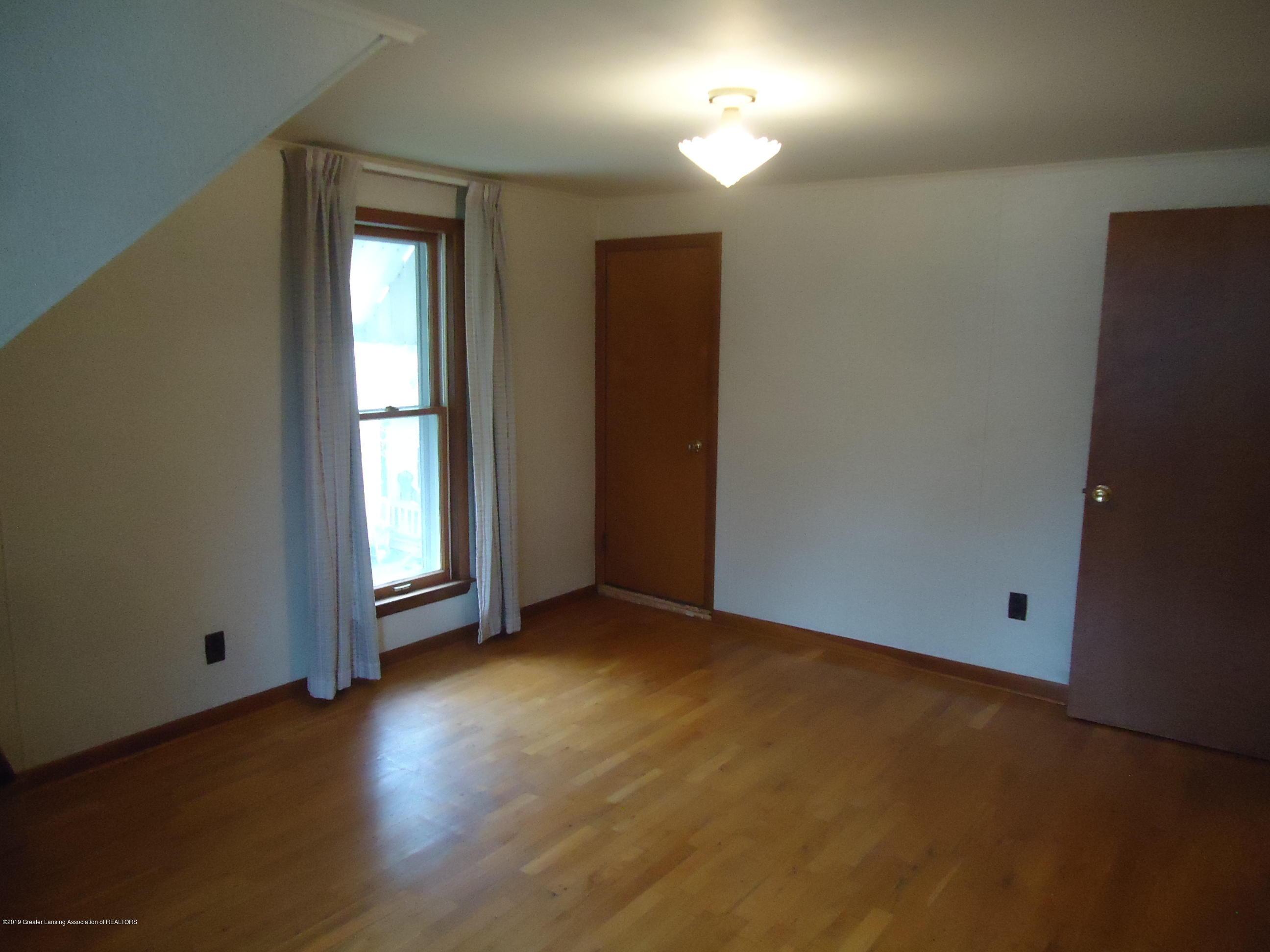 309 E Lovett St - 15 Bedroom 1 - 11