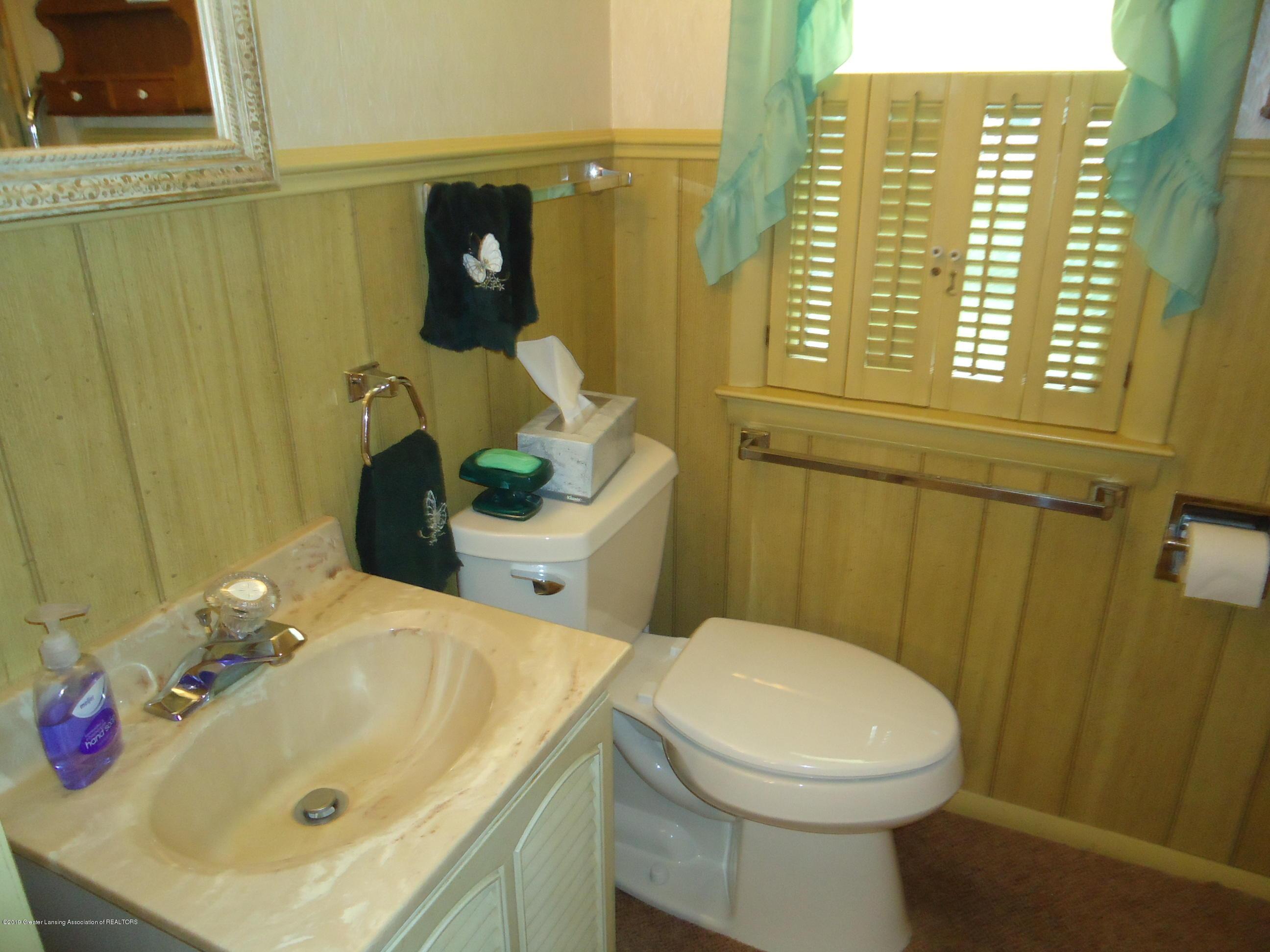 309 E Lovett St - 17 .Bathroom 1 - 13