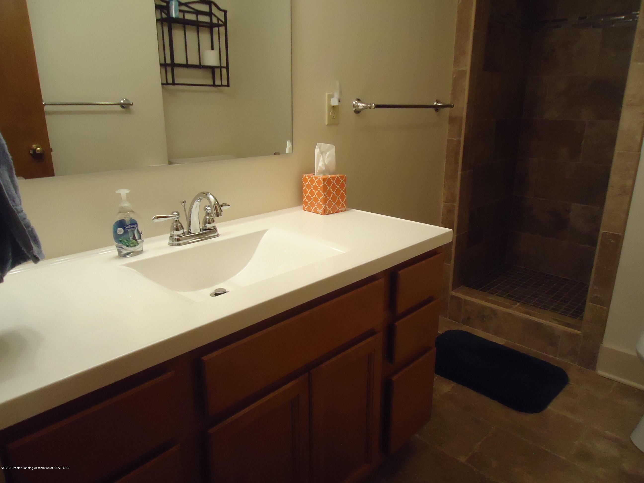 309 E Lovett St - 22 Bathroom 2 upstairs - 18