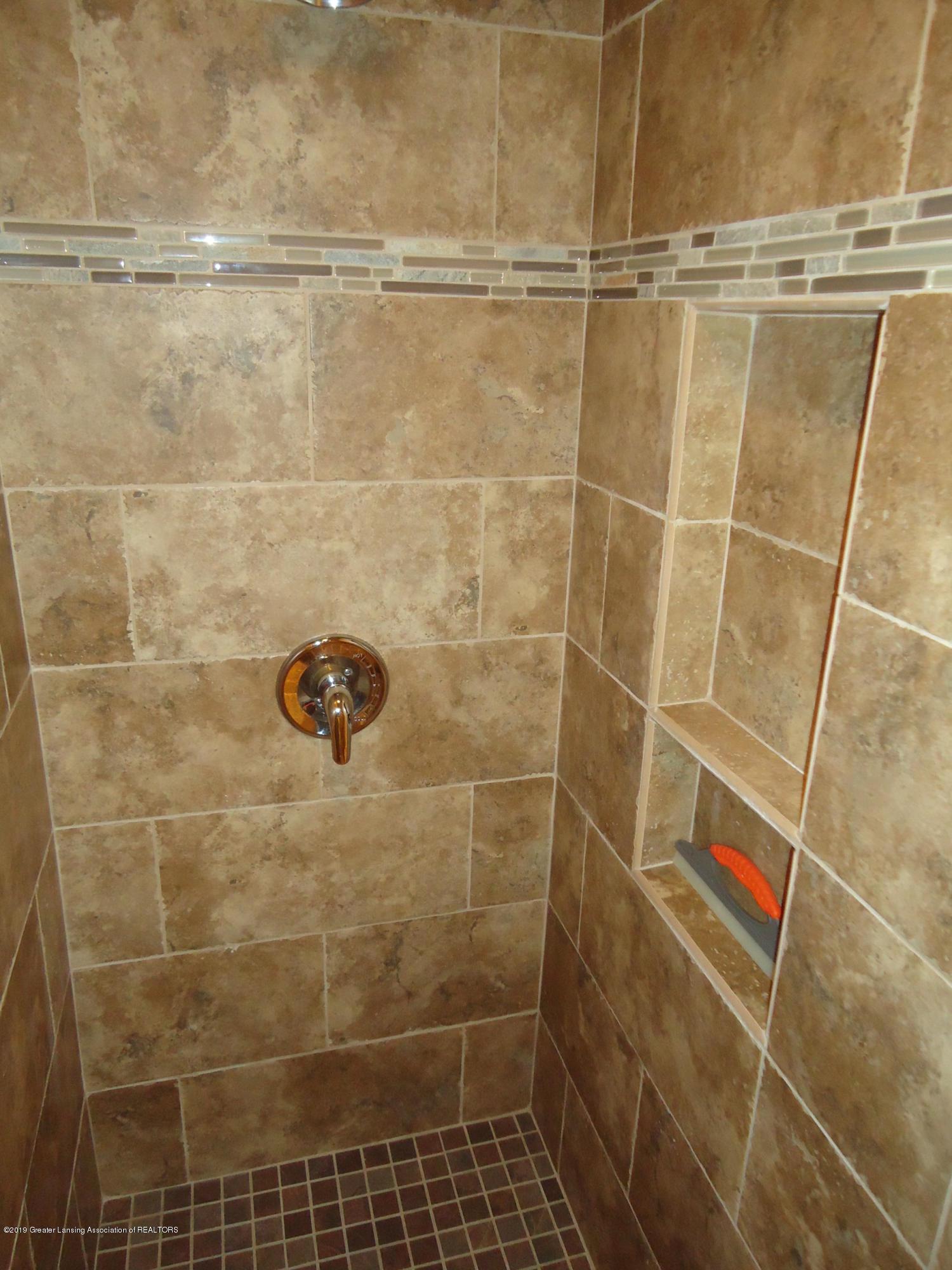 309 E Lovett St - 24 Bathroom 2 - 20