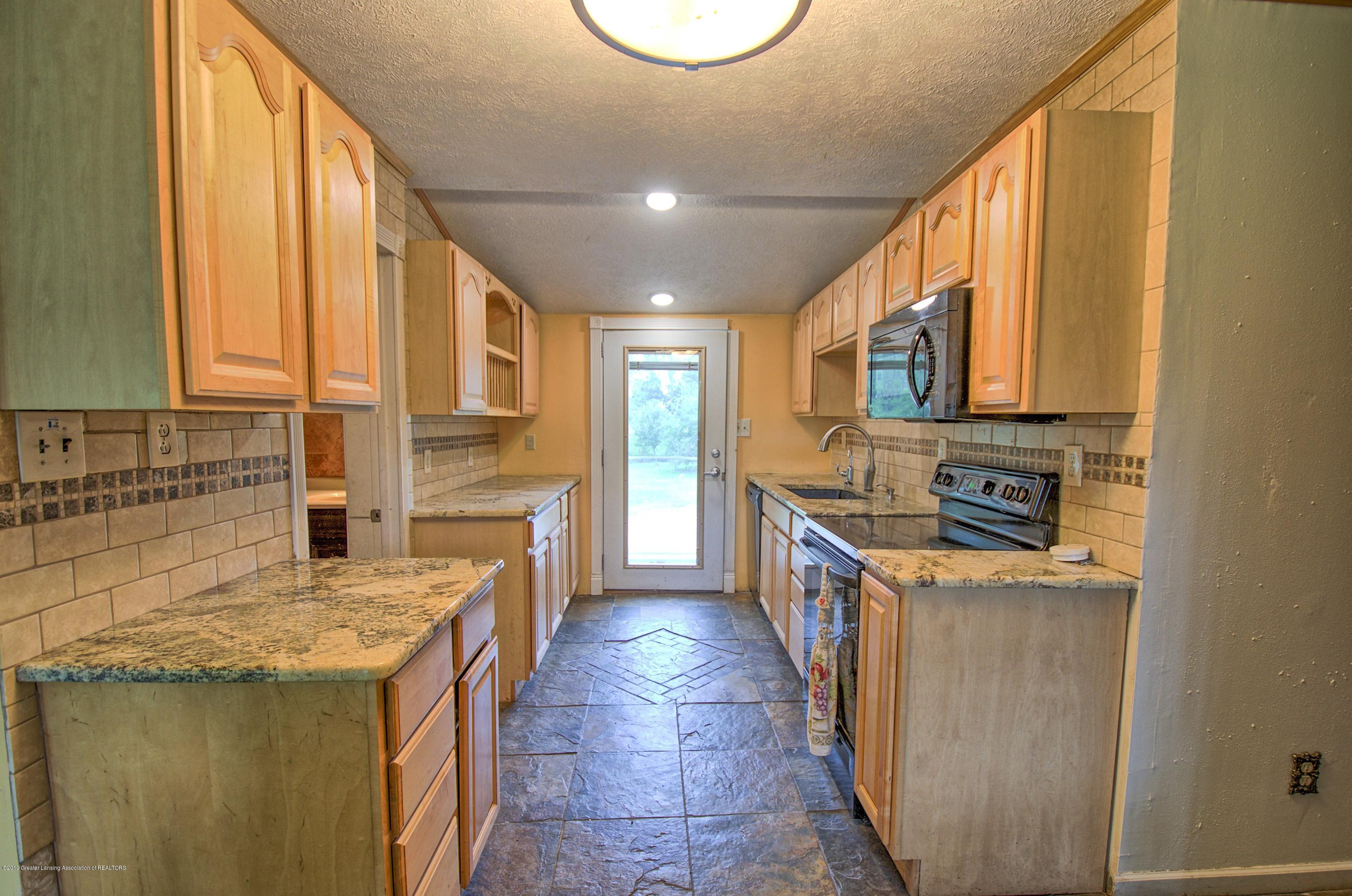 5150 Ann Dr - Kitchen - 3