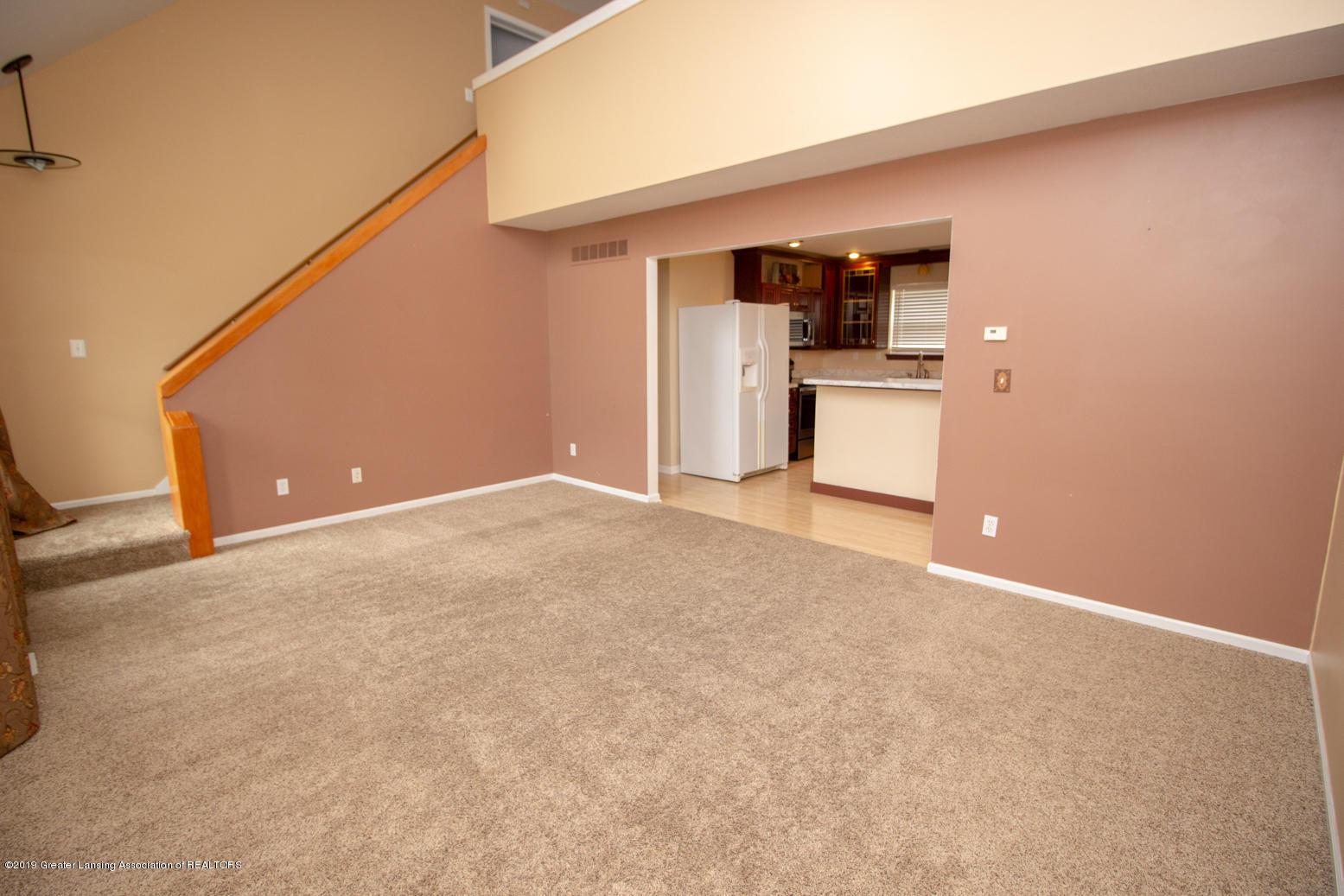 1586 Groombridge Dr - Living room - 3