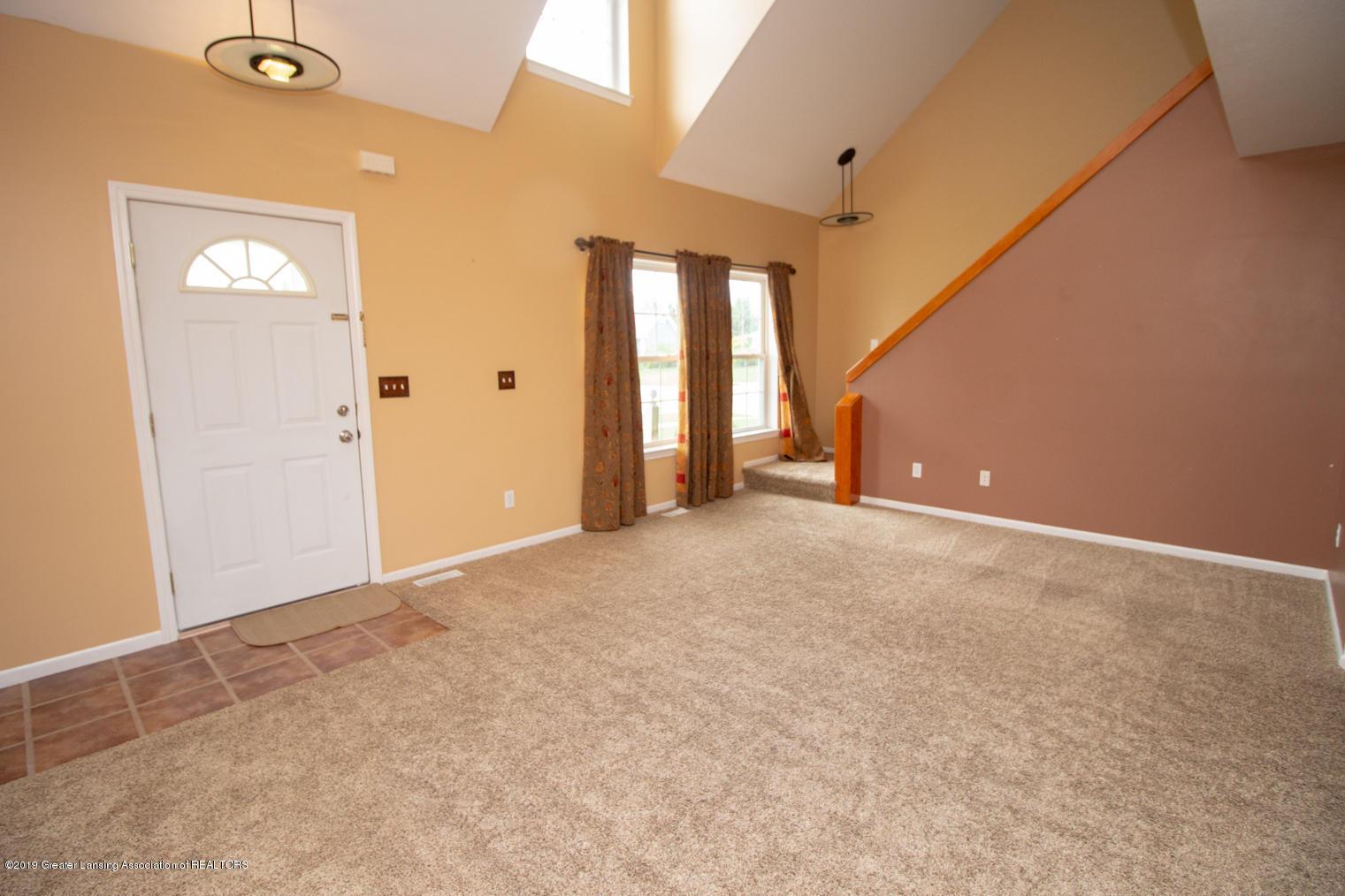 1586 Groombridge Dr - Living room - 2