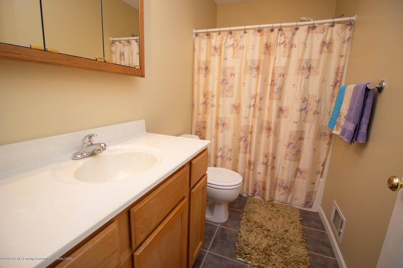 1586 Groombridge Dr - Bathroom 3 - 20