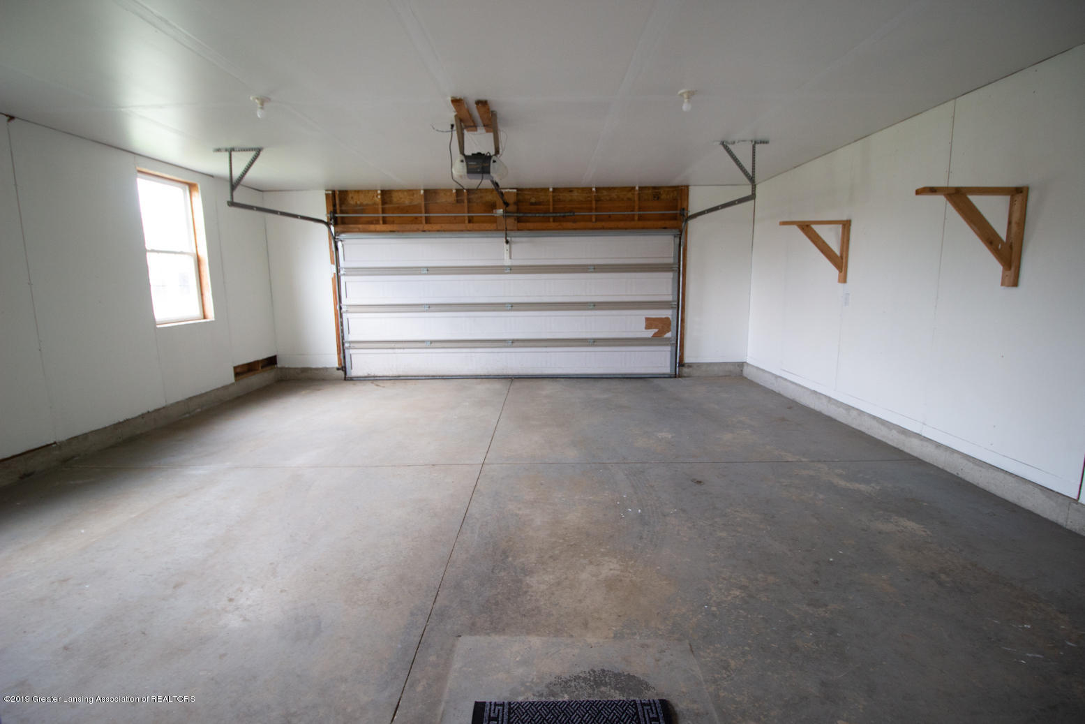 1586 Groombridge Dr - Inside garage - 29