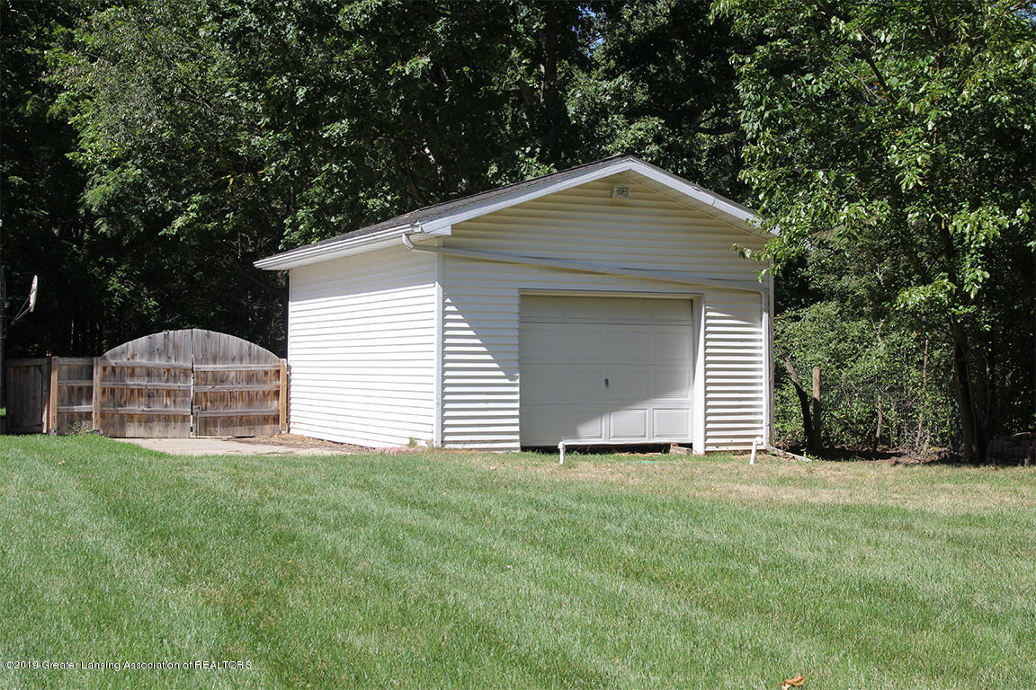 4084 Hulett Rd - One car drive through garage - 45