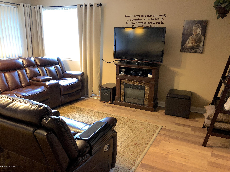 2602 Wilson Ave - Living Room - 2
