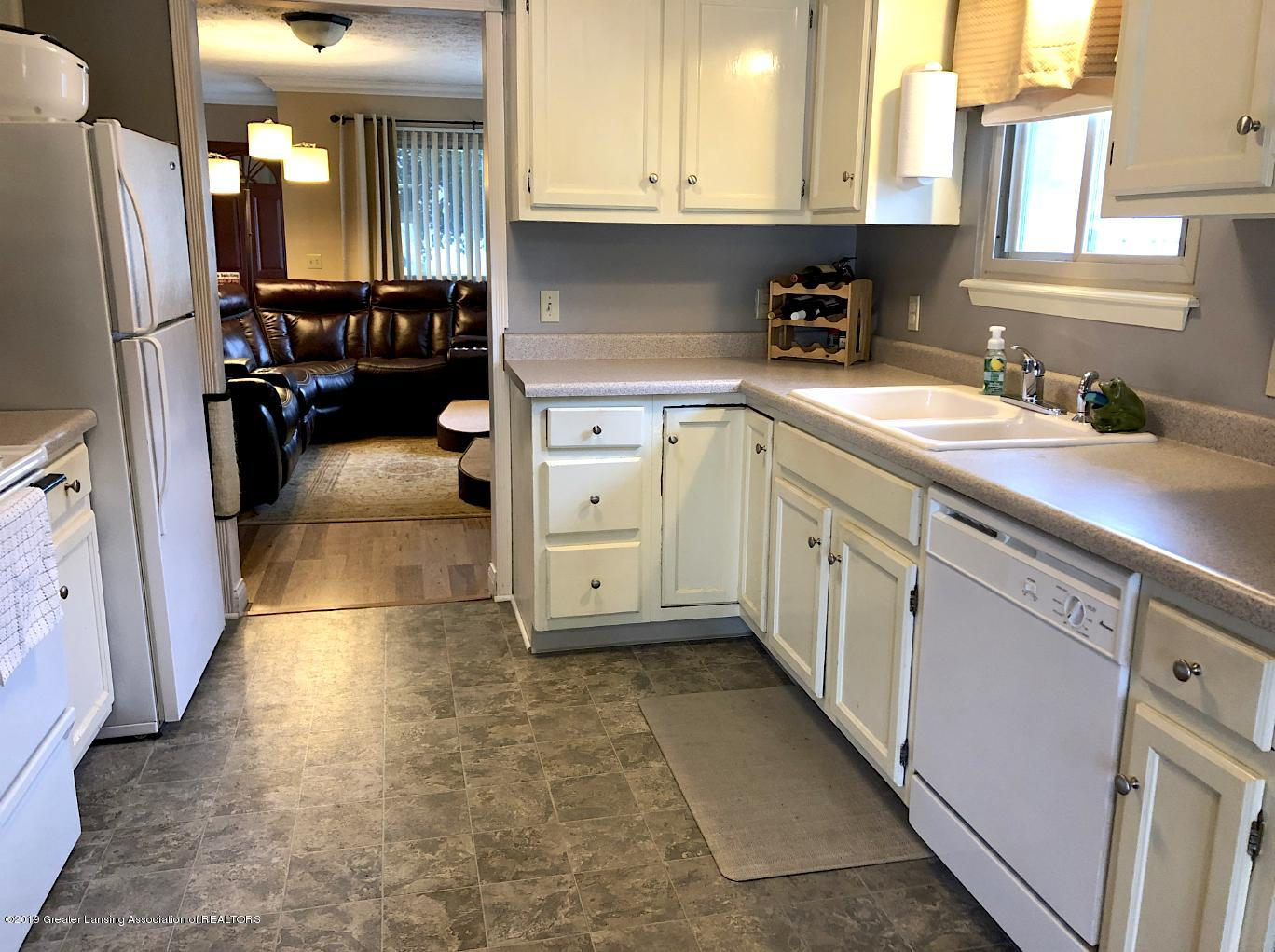 2602 Wilson Ave - Kitchen - 4