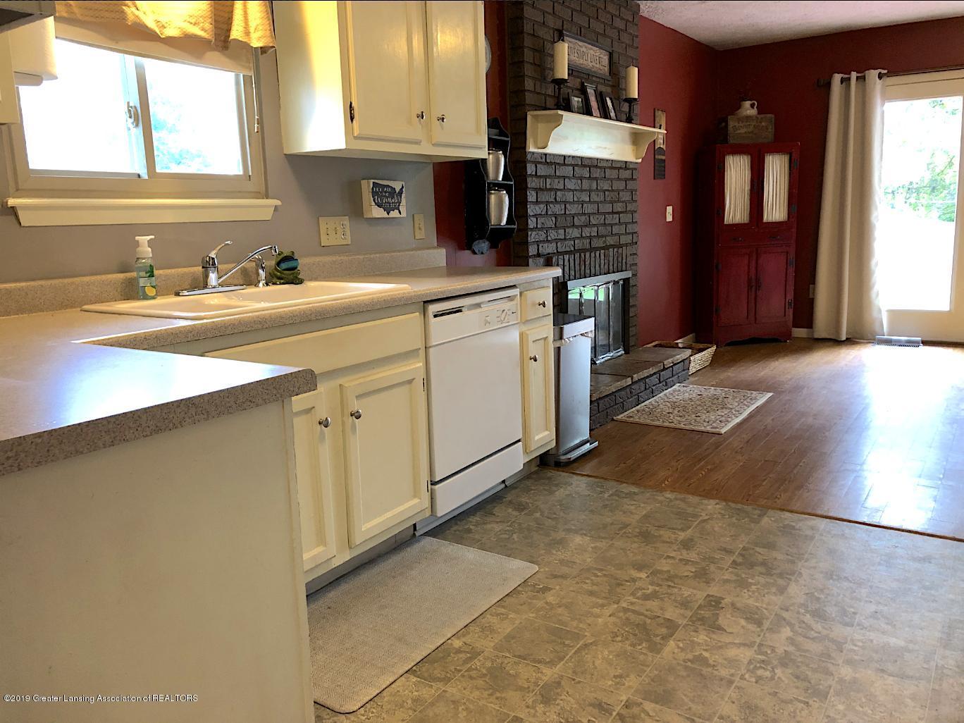 2602 Wilson Ave - Kitchen - 5