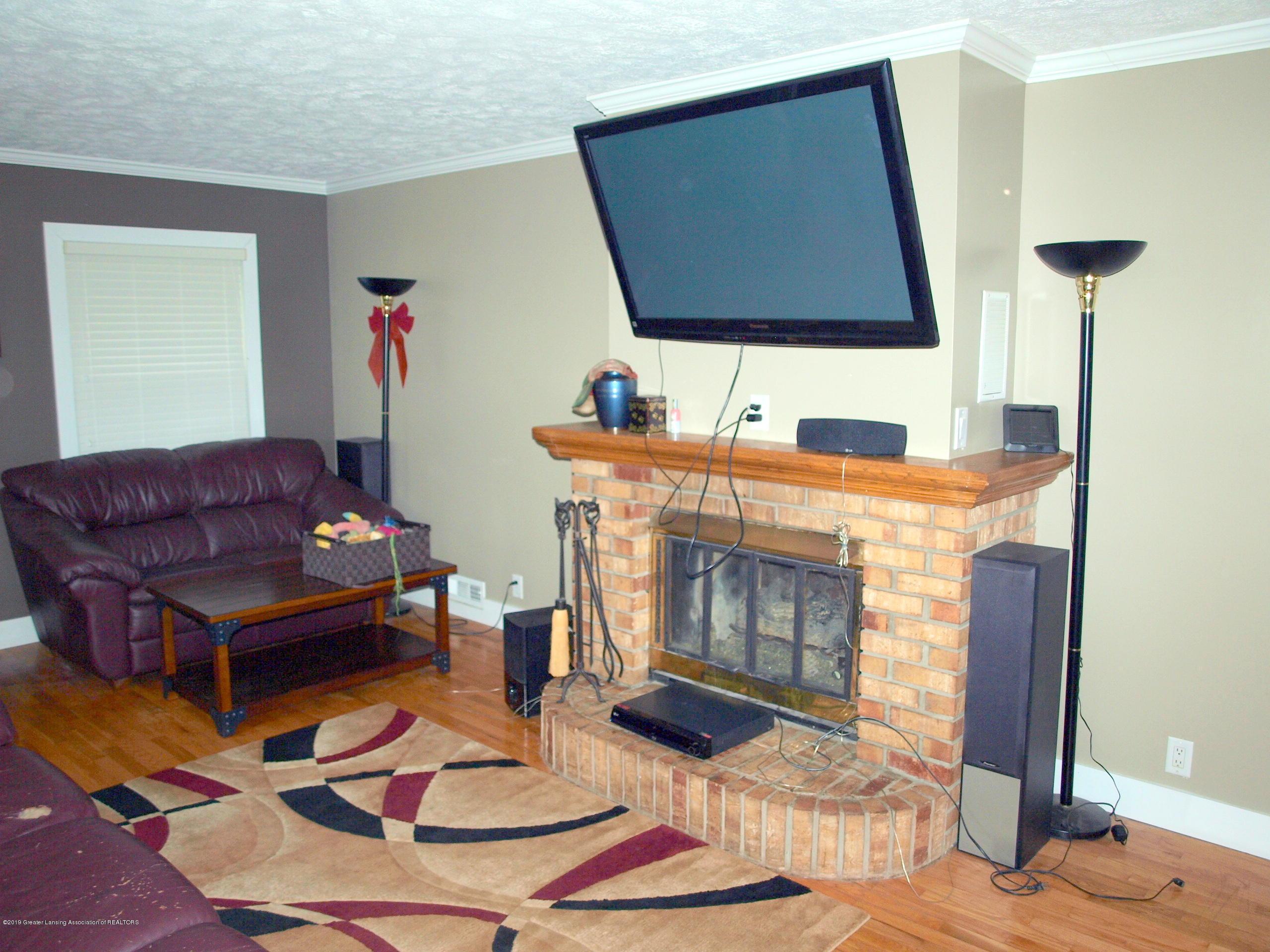 6070 E Clark Rd - lv room - 25