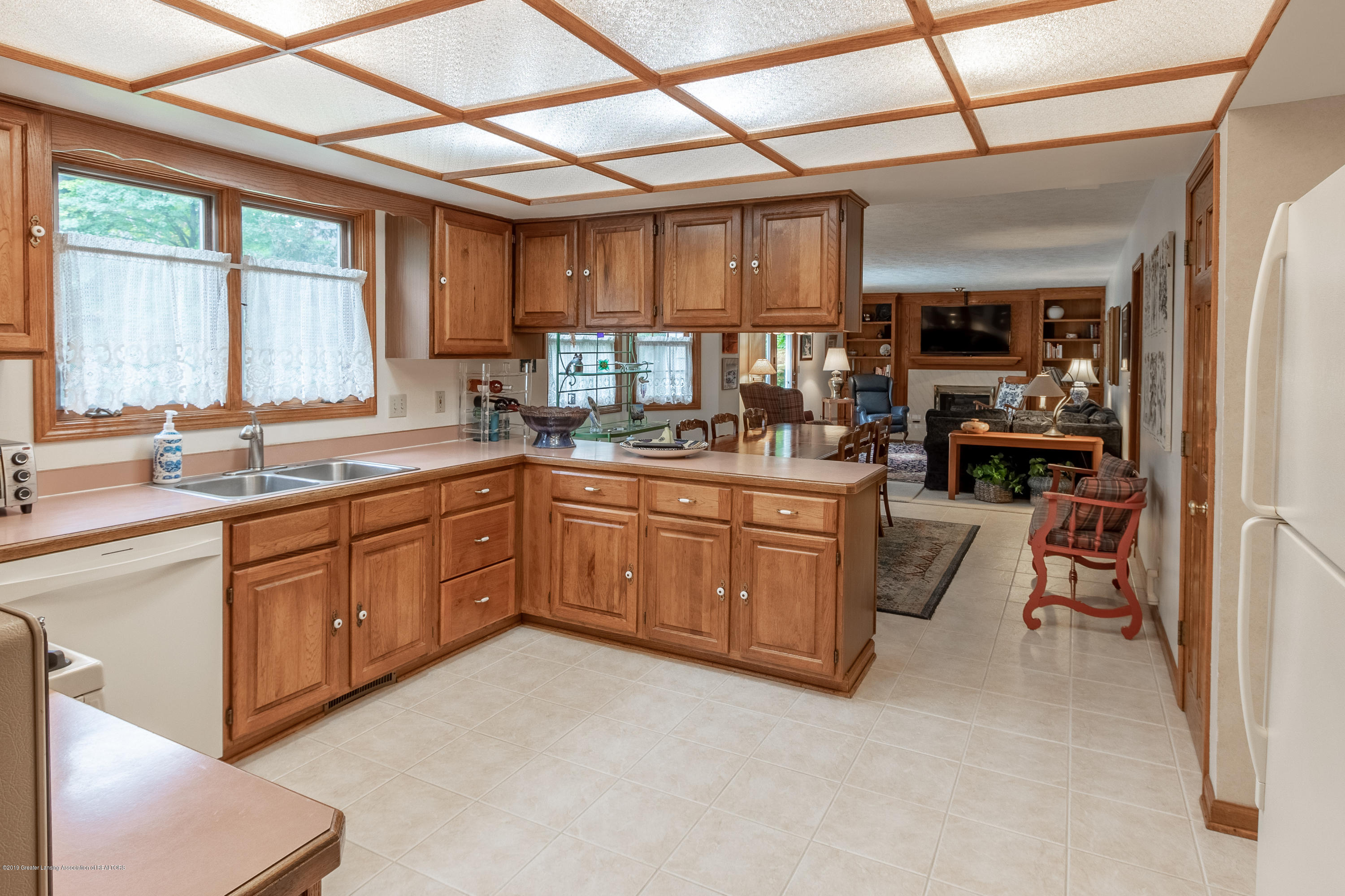 1871 Yosemite Dr - Kitchen - 15
