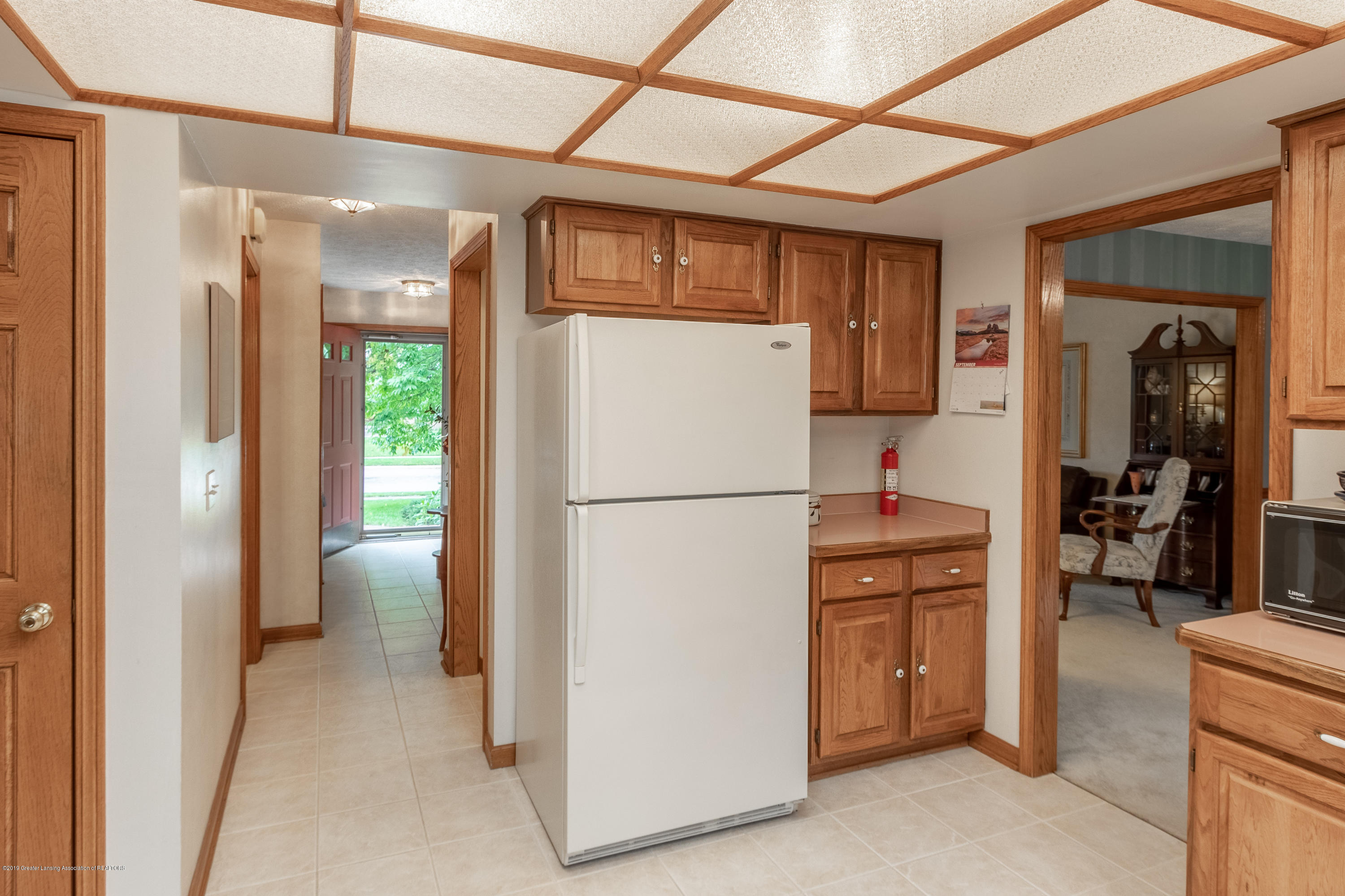 1871 Yosemite Dr - Kitchen - 16
