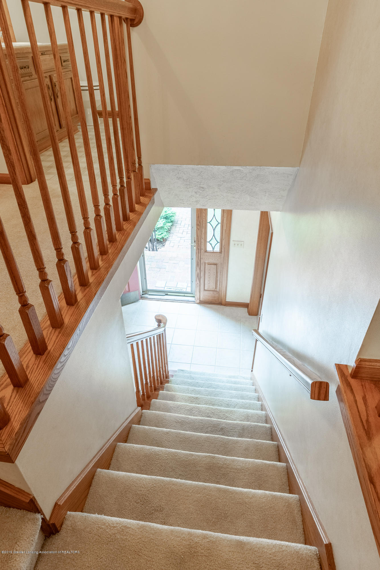 1871 Yosemite Dr - Stairs to Main Level - 40
