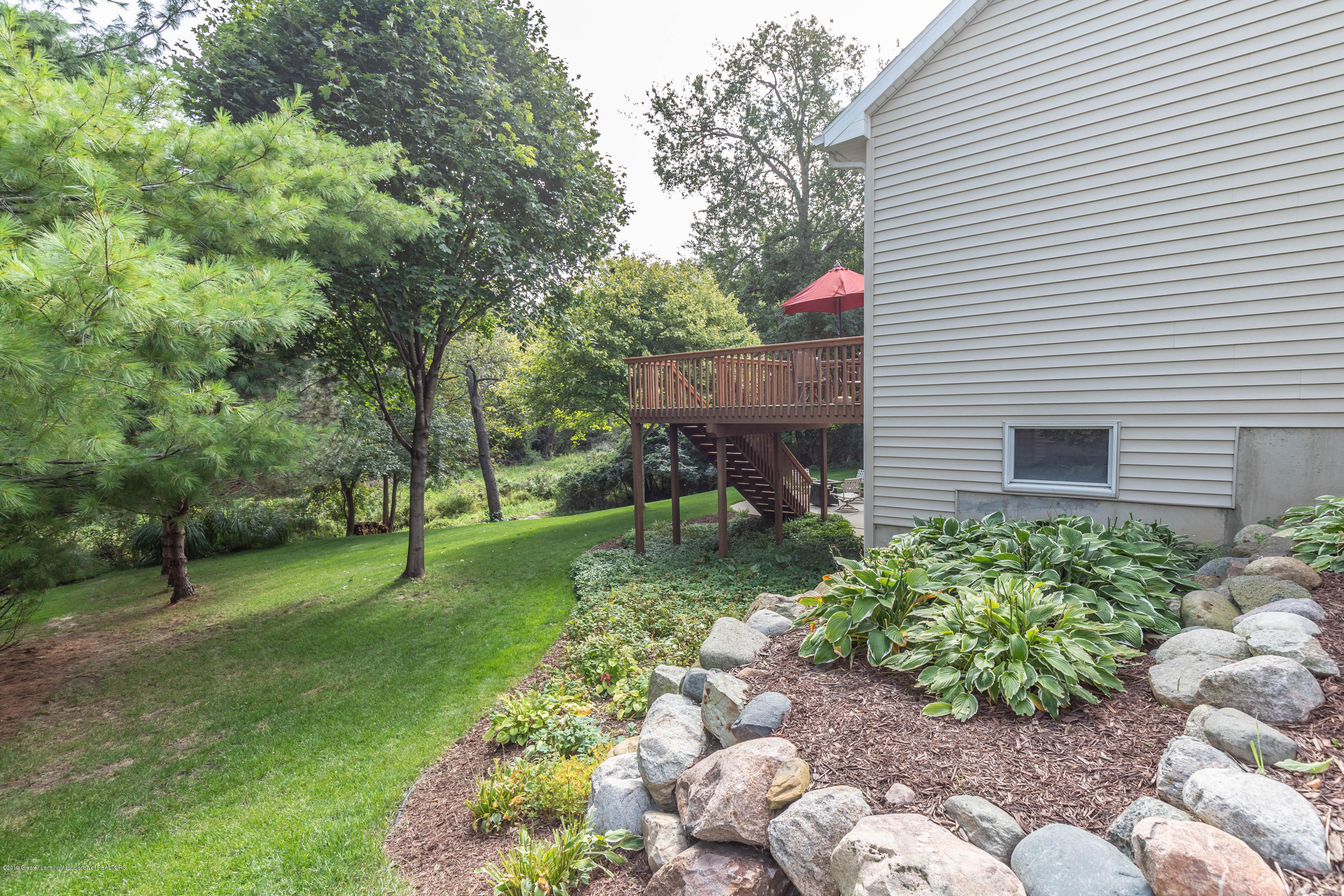 13185 Watercrest Dr - Landscape - 42