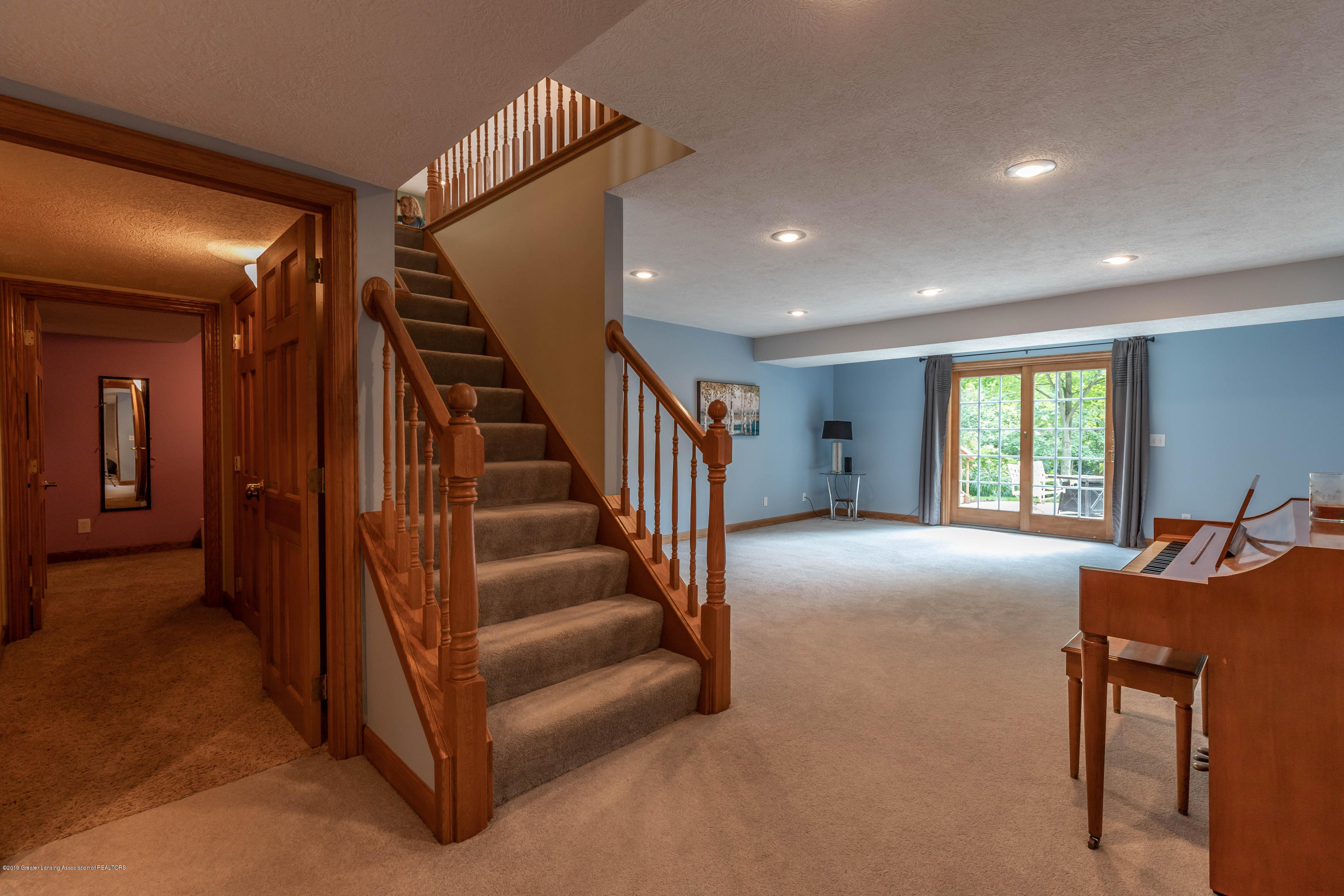 13185 Watercrest Dr - Stairs/Family Room - 32