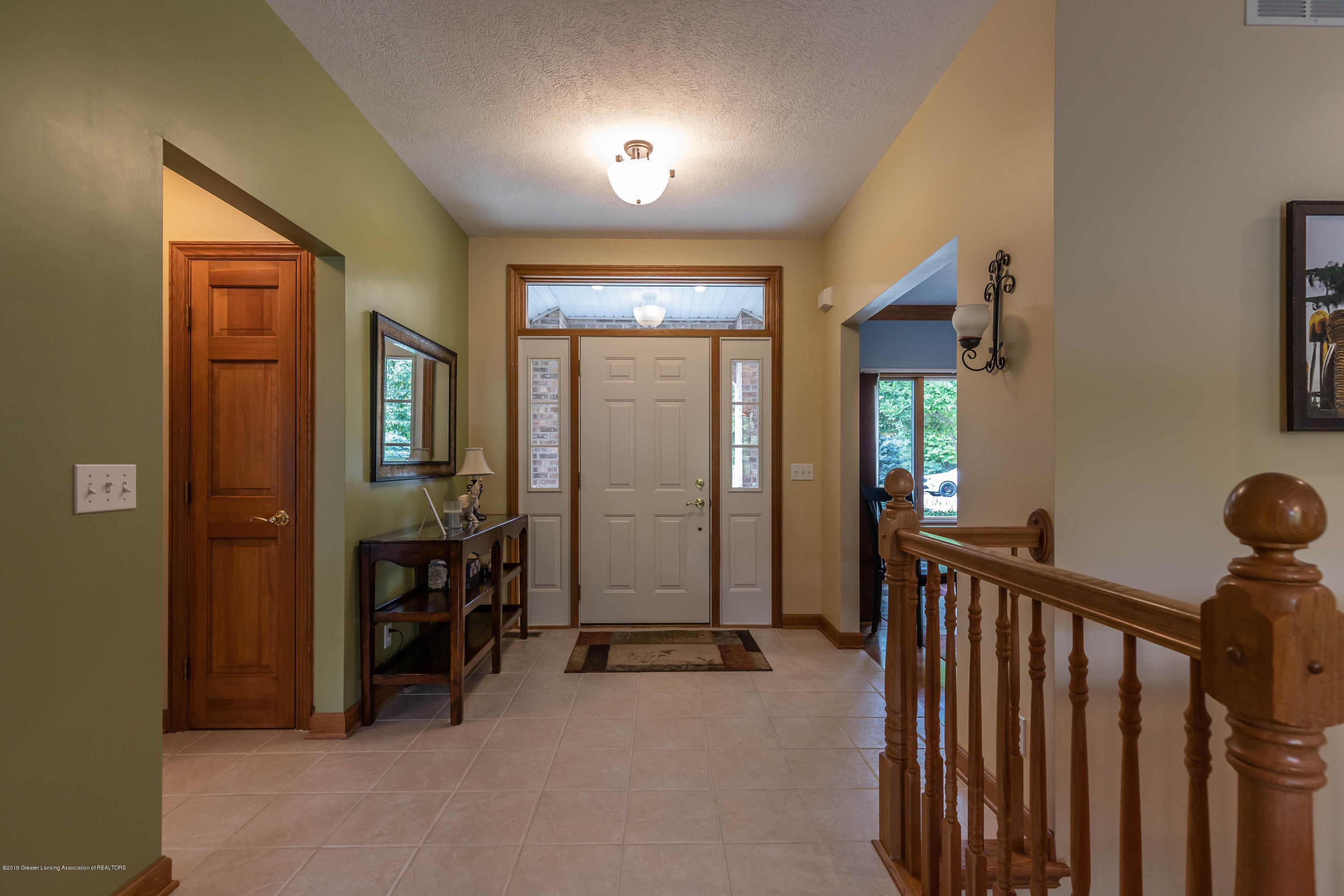 13185 Watercrest Dr - Foyer - 4