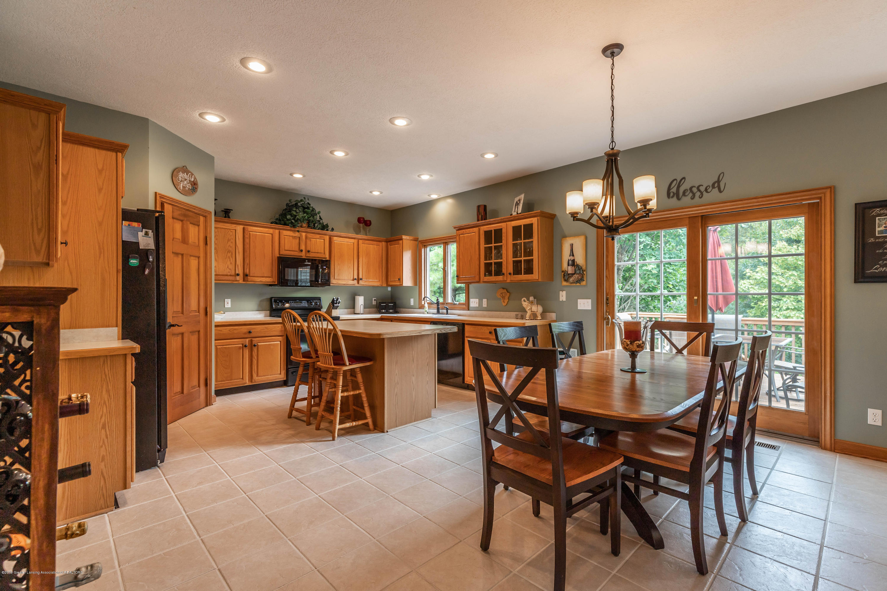13185 Watercrest Dr - Kitchen - 9