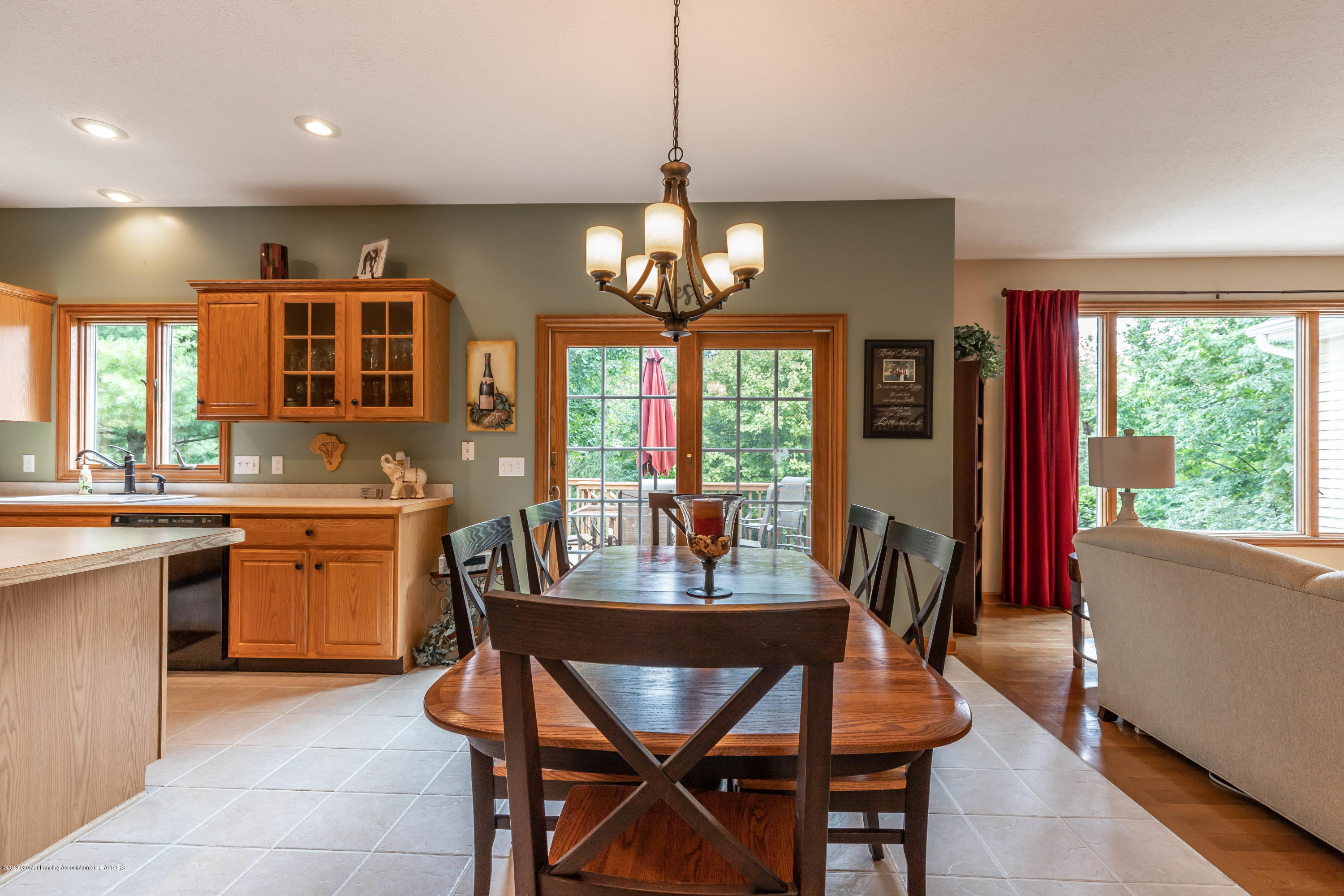 13185 Watercrest Dr - Breakfast Nook - 10