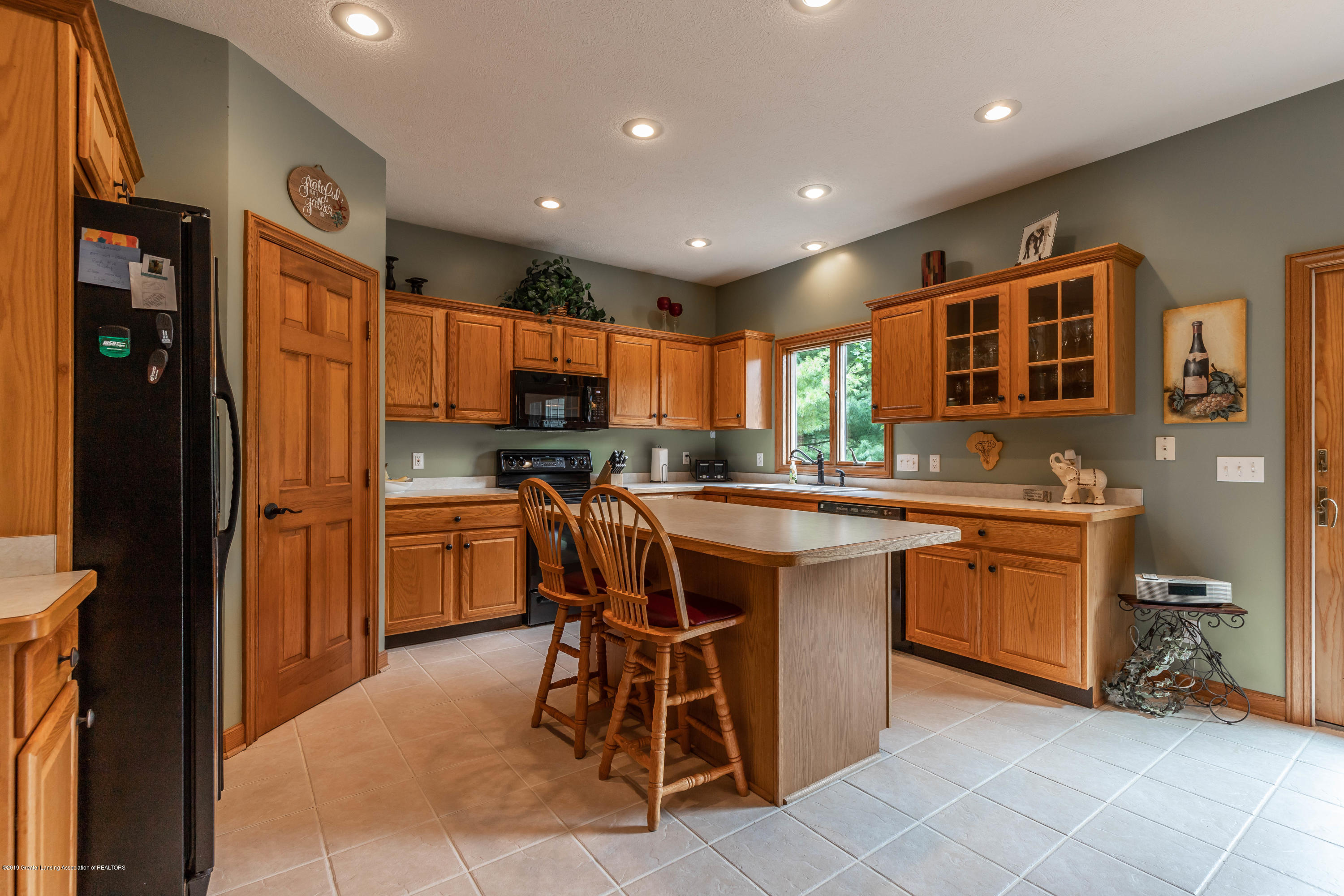 13185 Watercrest Dr - Kitchen - 11