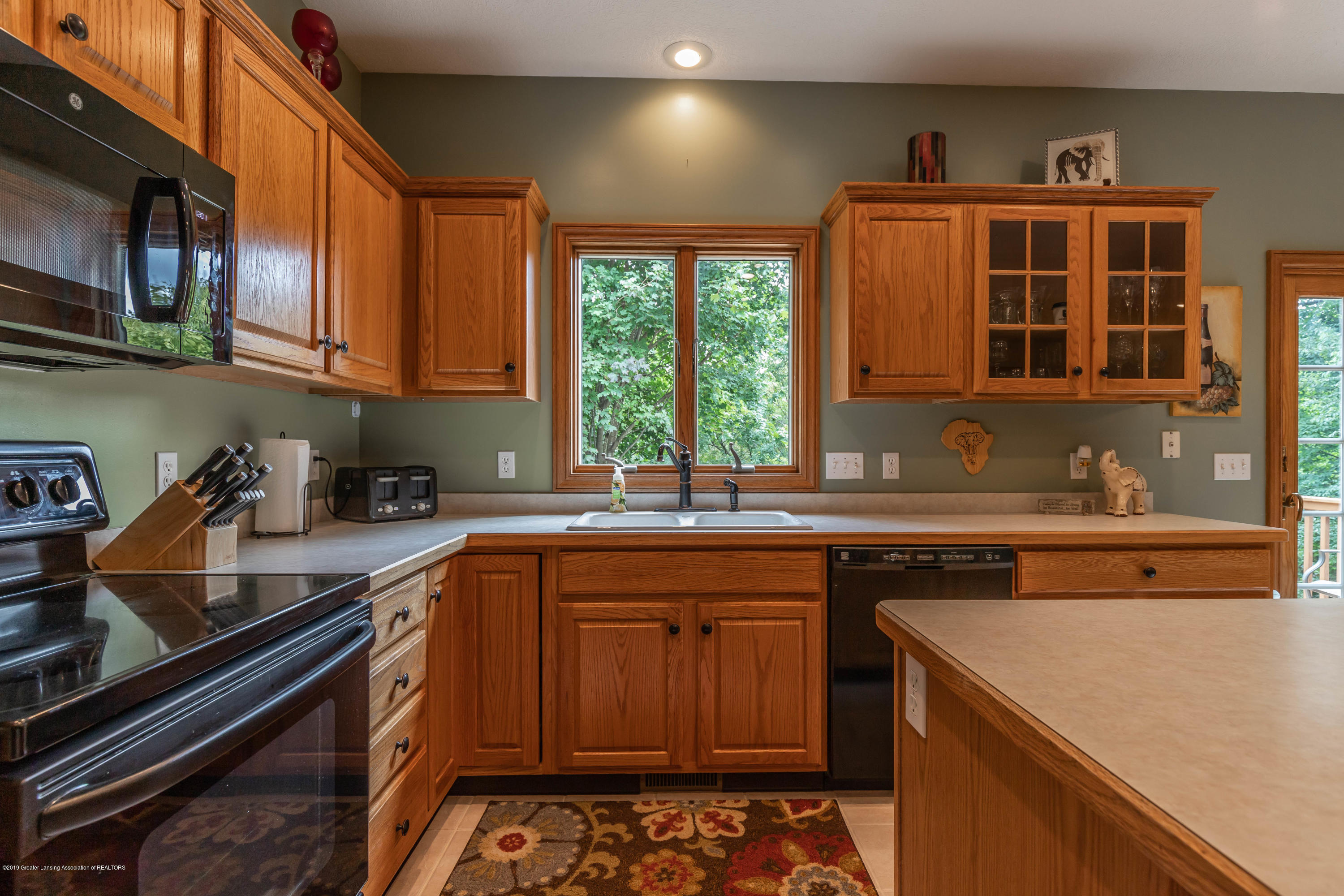 13185 Watercrest Dr - Kitchen - 13