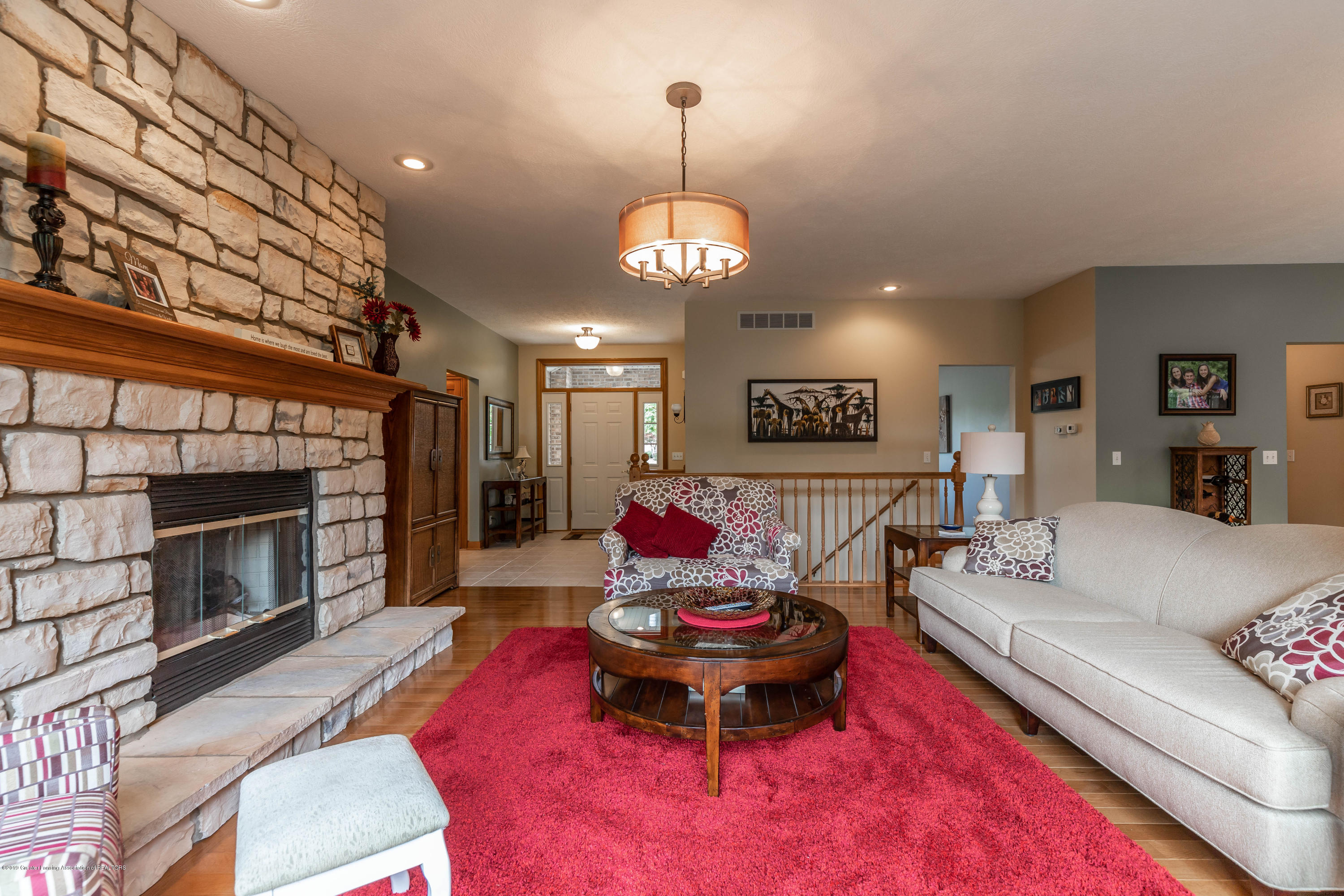 13185 Watercrest Dr - Living Room - 6