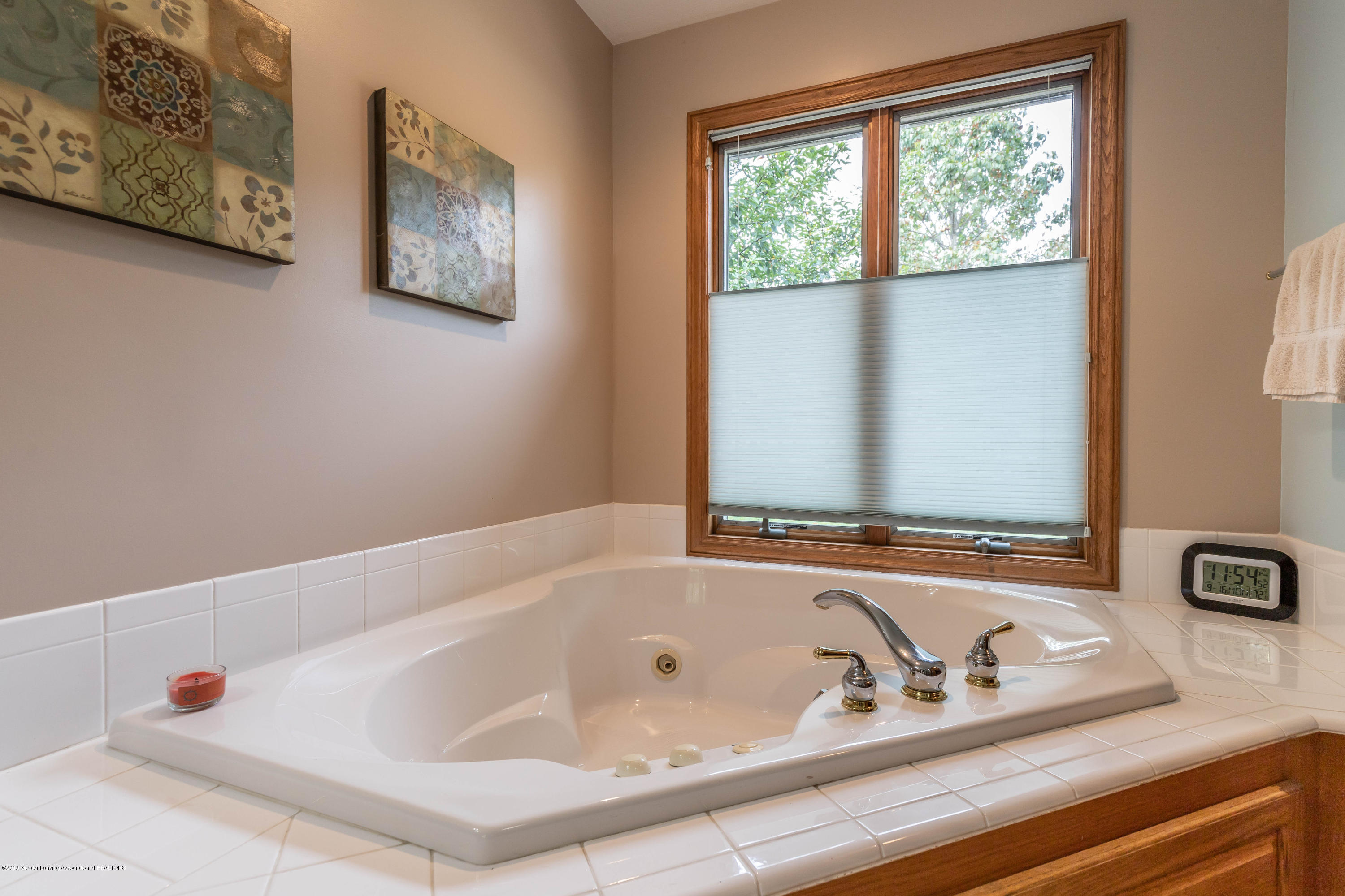 13185 Watercrest Dr - Whirlpool Tub - 26