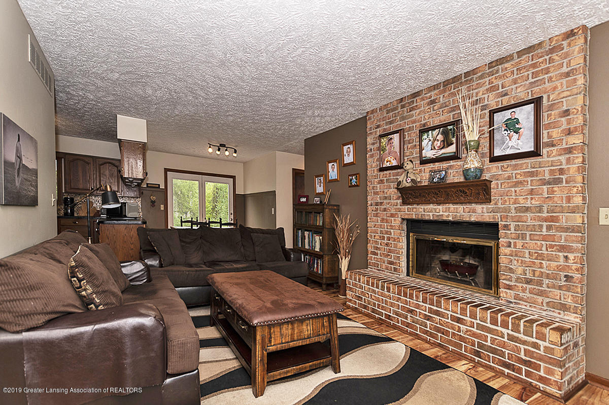 5778 Whisperwood Dr - 5778 Whisperwood family room 3 - 9