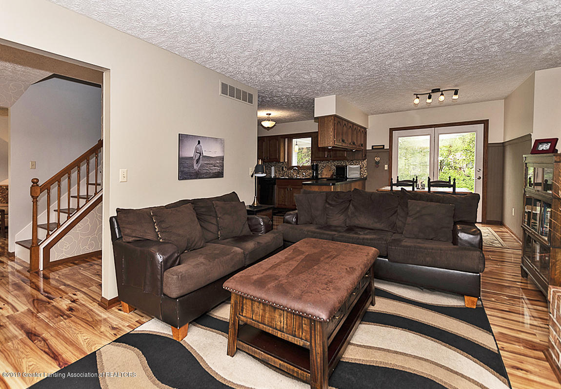 5778 Whisperwood Dr - 5778 Whisperwood family room to kitchen - 10