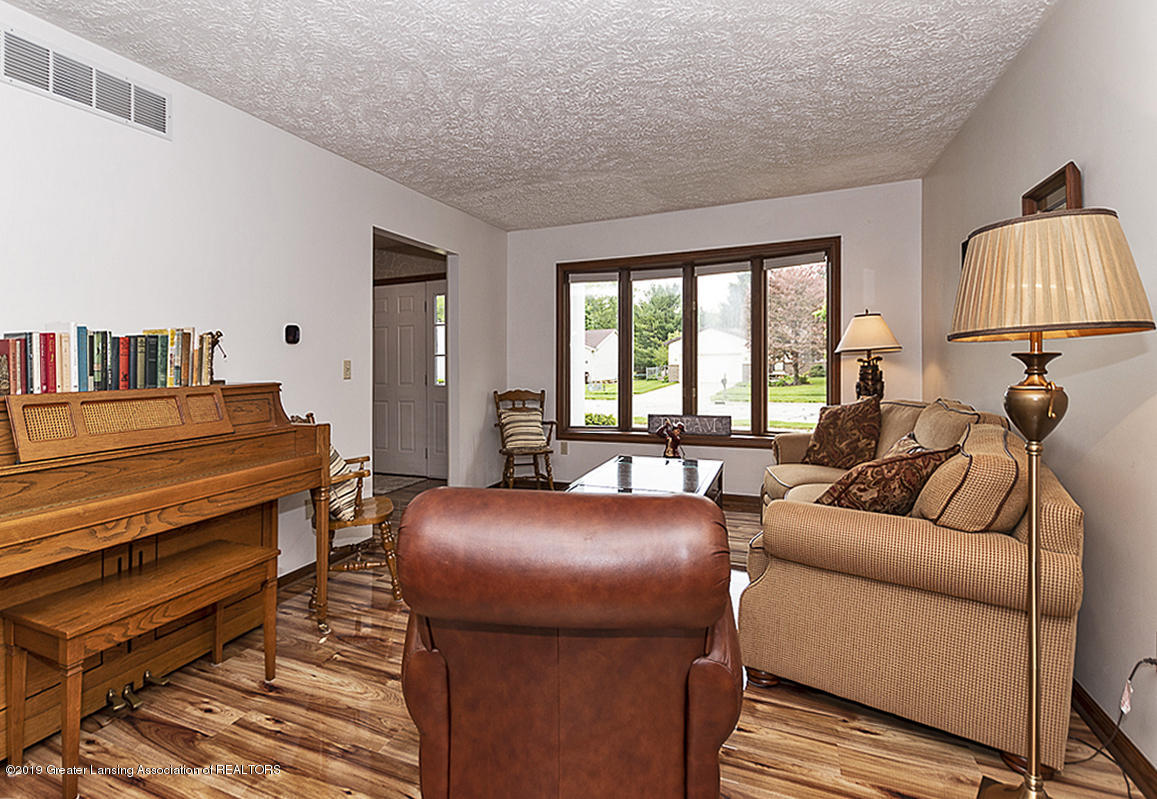 5778 Whisperwood Dr - 5778 Whisperwood Living room 2 - 17