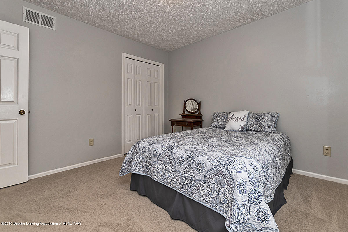 5778 Whisperwood Dr - Bedroom 3 - 29