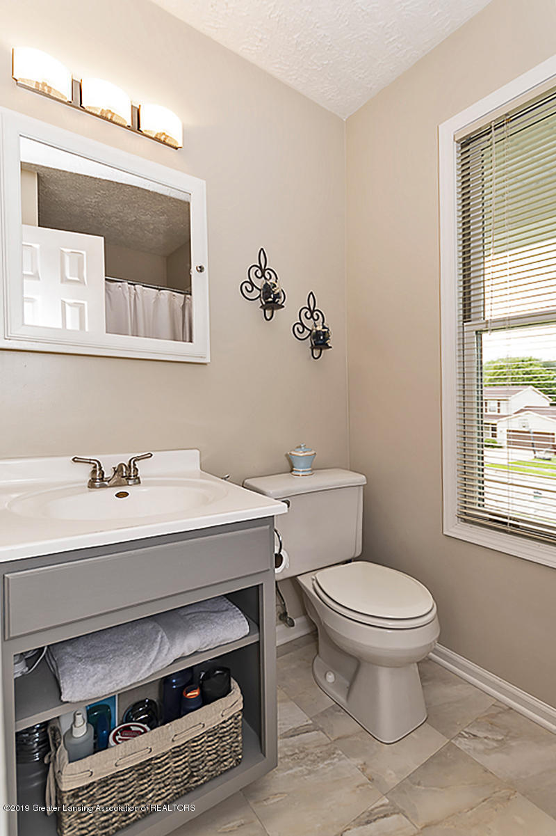 5778 Whisperwood Dr - Master Bath - 32