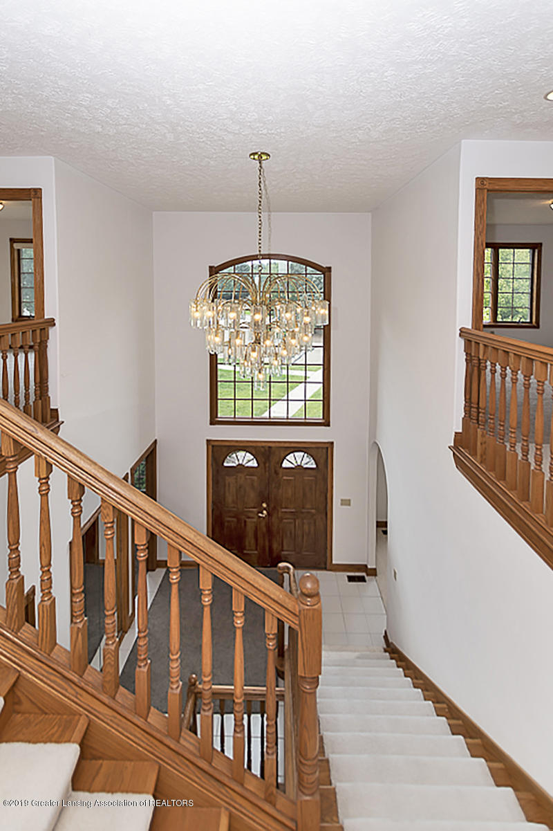 16577 Thorngate Rd - 16577 Thorngate stairwell view of foyer - 38
