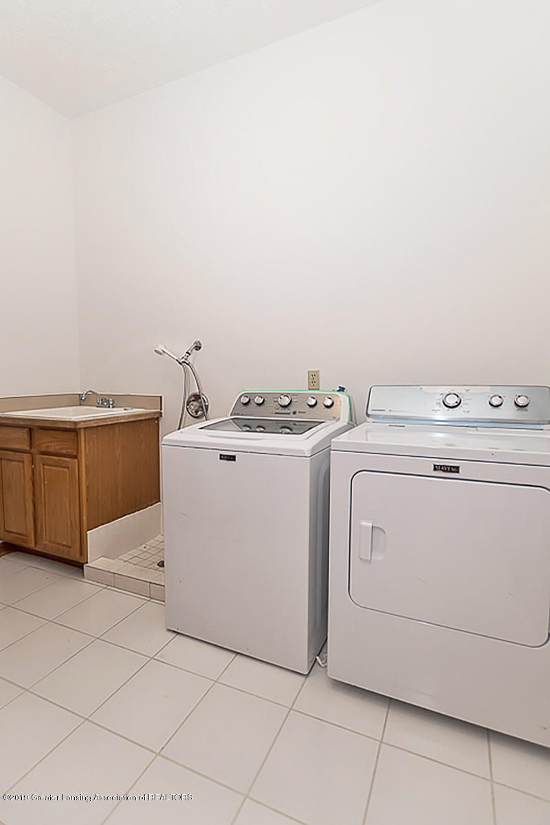 16577 Thorngate Rd - 16577 Thorngate washer and dryer include - 40
