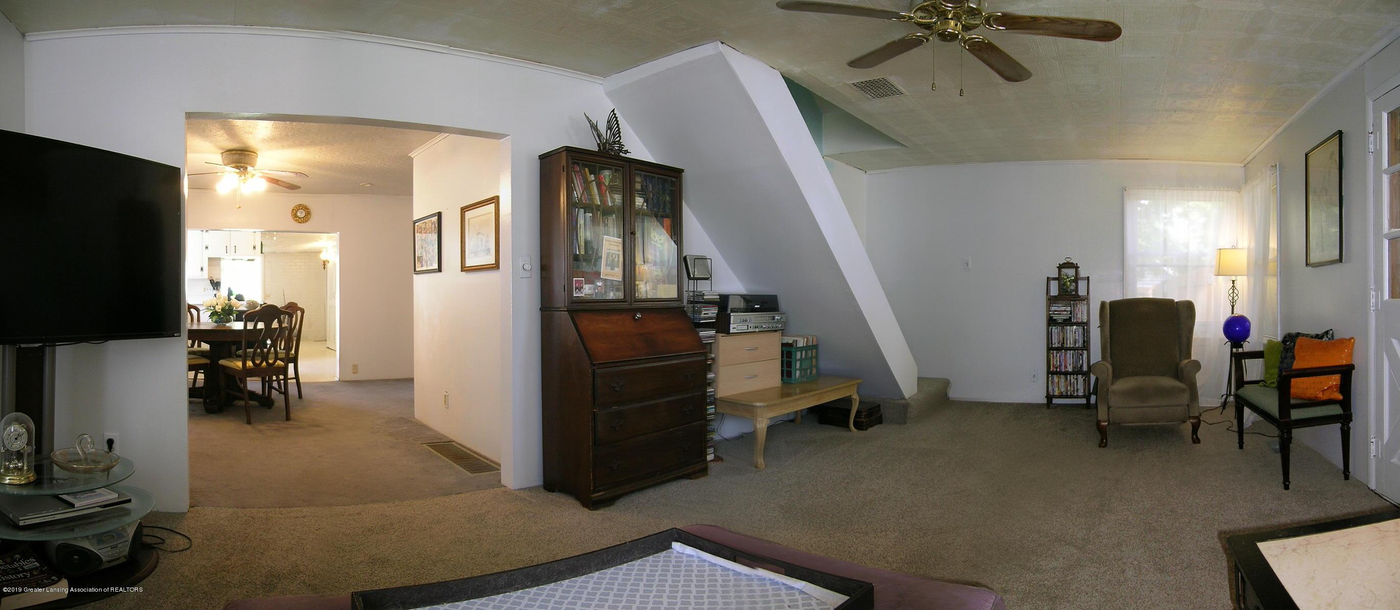 413 W Shepherd St - 2 Living Area - 2