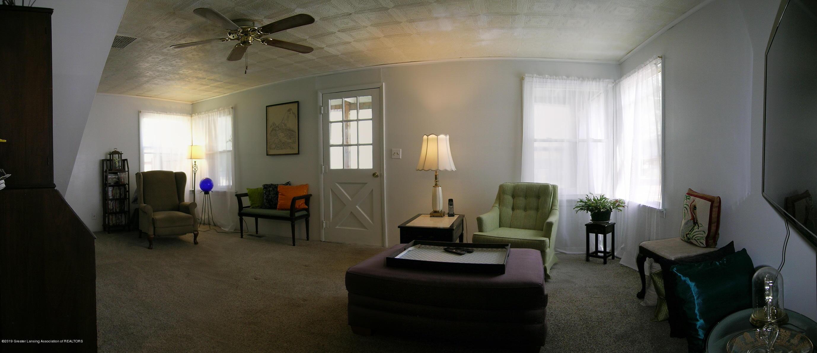 413 W Shepherd St - 3 Living Room - 3